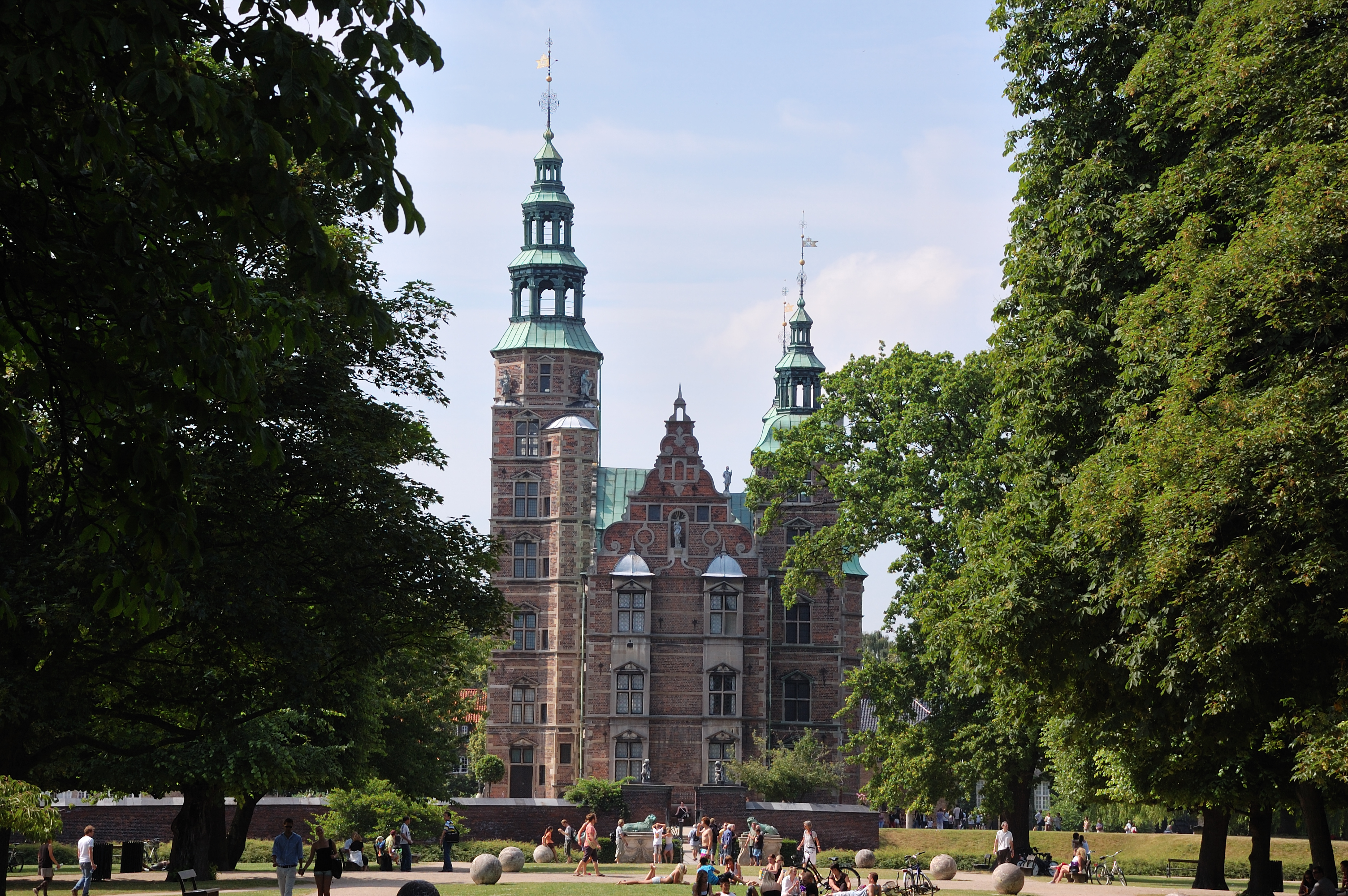 4631109752 further File Mercedes Benz F800 Style rear further 95 furthermore File Rosenborg Castle  Copenhagen in addition File H C3 B4tel de Blossac   escalier int C3 A9rieur. on 2010 3008