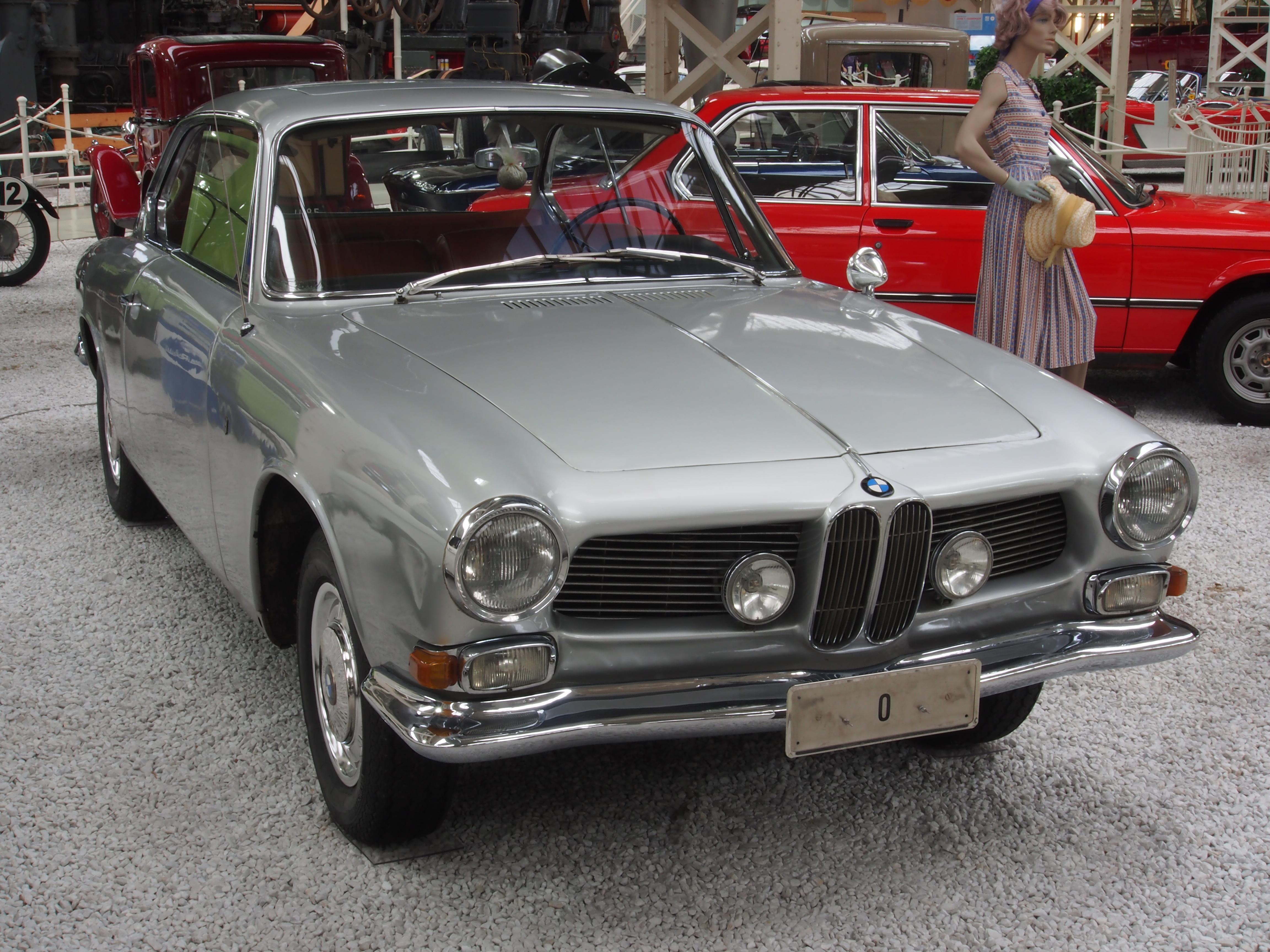 File:Silver BMW 3200 CS.JPG - Wikimedia Commons