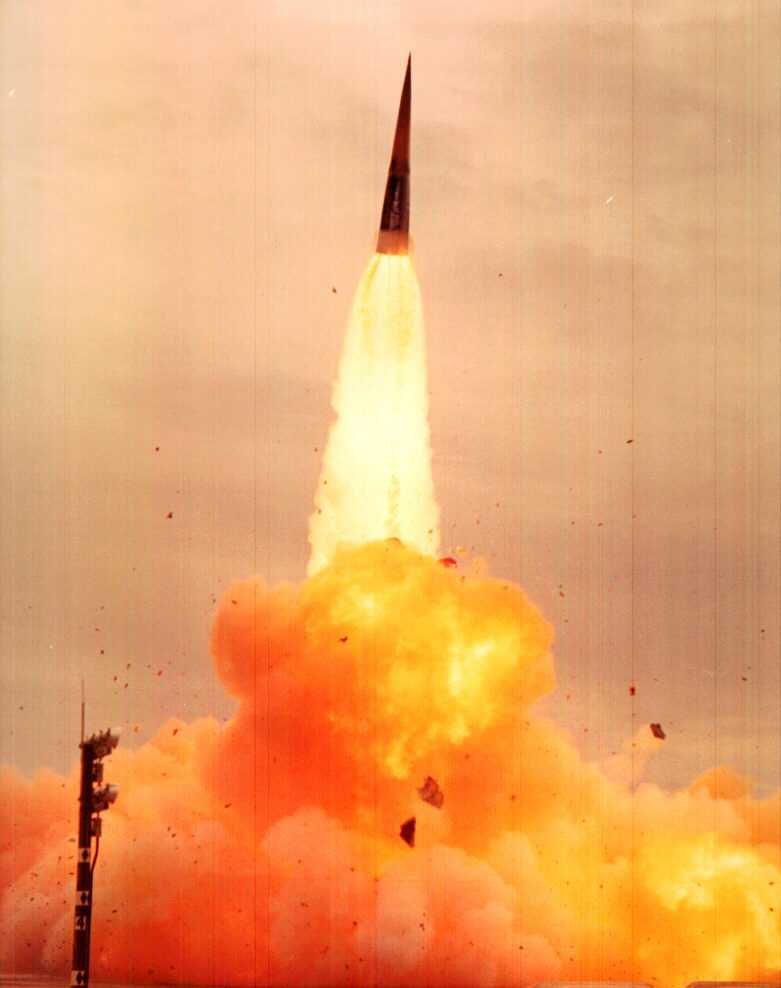 Sprint_missile_launched_from_Kwajalein.j