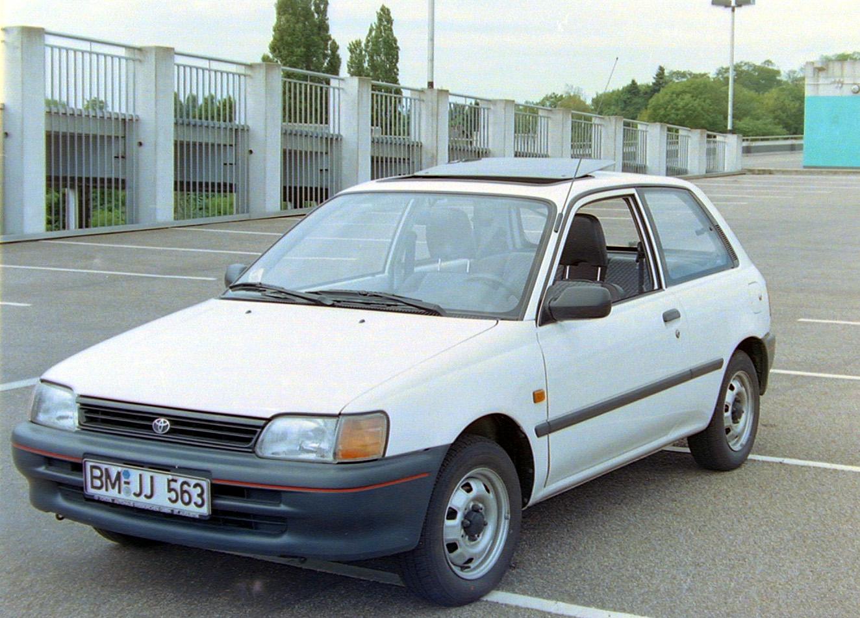 Toyota_Starlet_Bj93