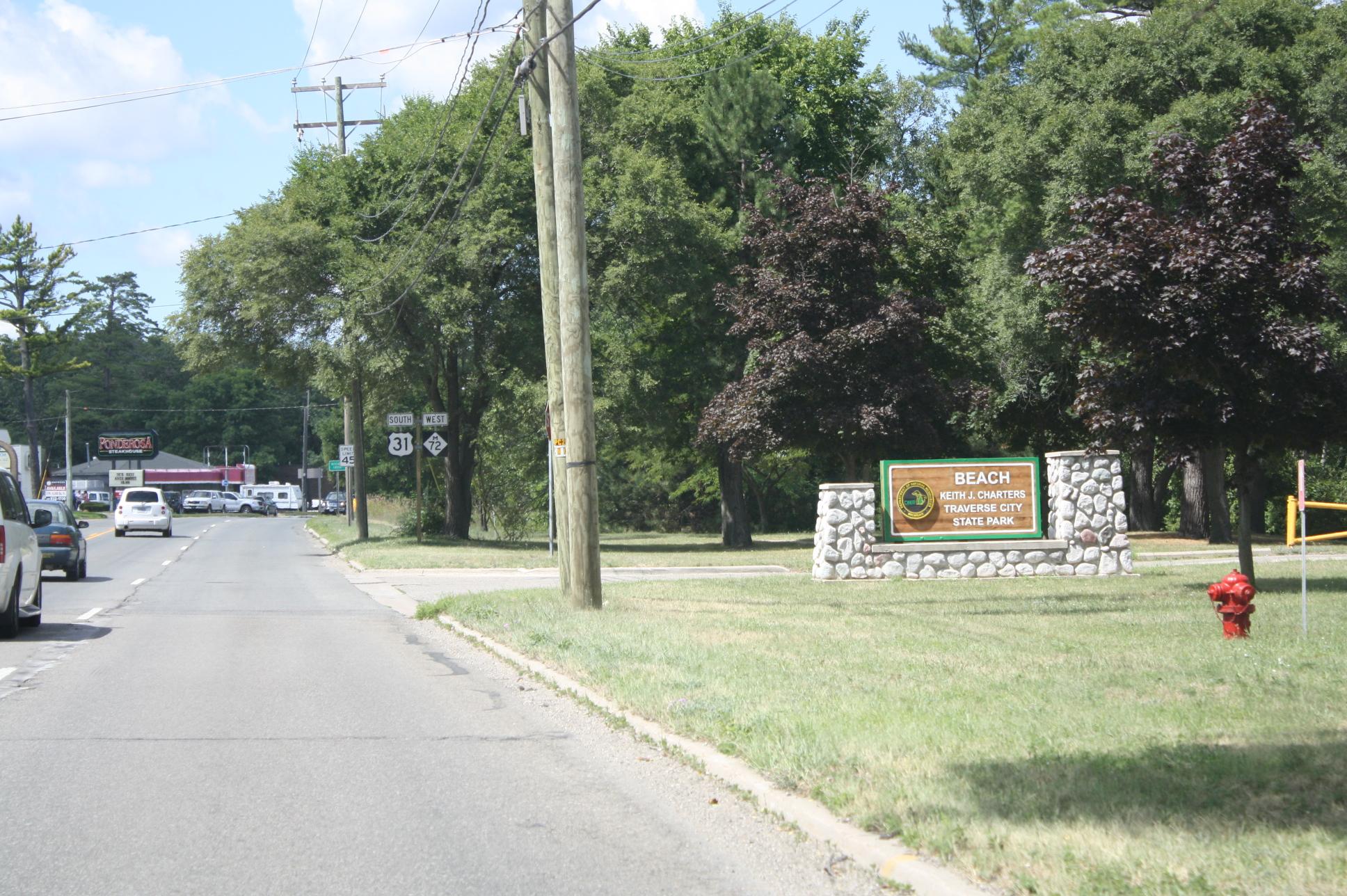 File:Traverse City State Park Traverse City Michigan.jpg - Wikimedia Commons