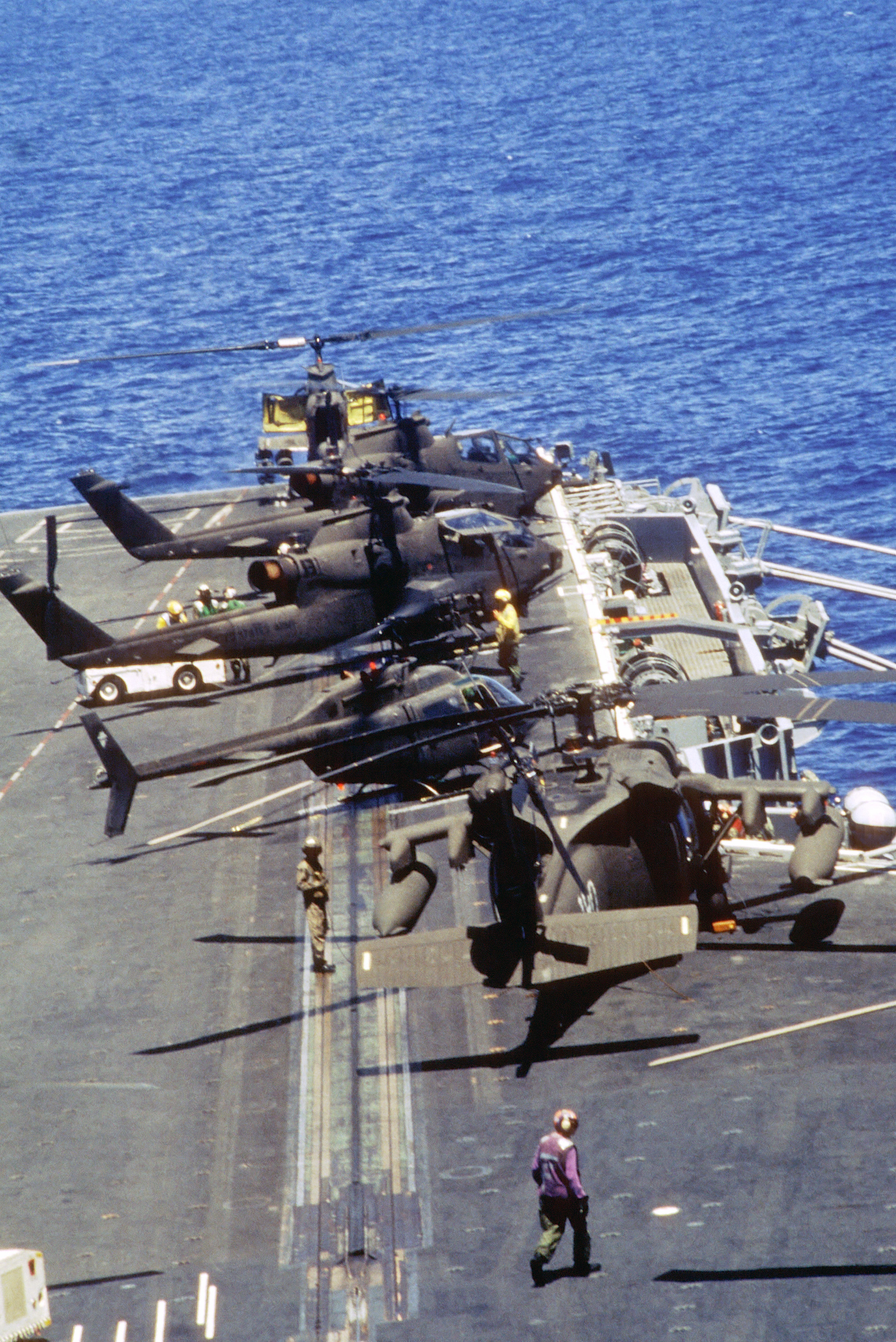 picture of black hawk helicopter with File Us Army Helicopters On Forward Flight Deck Of Uss Eisenhower  Cvn 69  Off Haiti In 1994 on File US Army helicopters on forward flight deck of USS Eisenhower  CVN 69  off Haiti in 1994 furthermore 16921 likewise Uh 60 additionally File Flickr   The U S  Army   Black Hawk boarding likewise 1258.