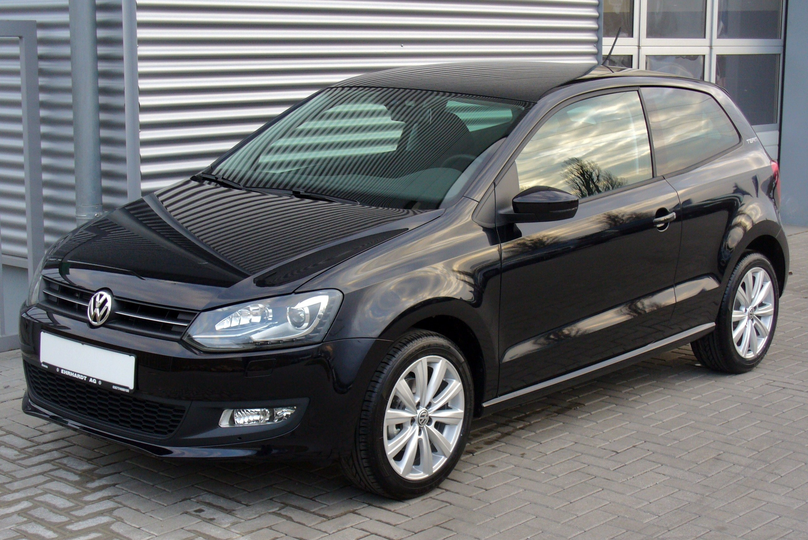 vw polo v 12 tsi team deepblackjpg