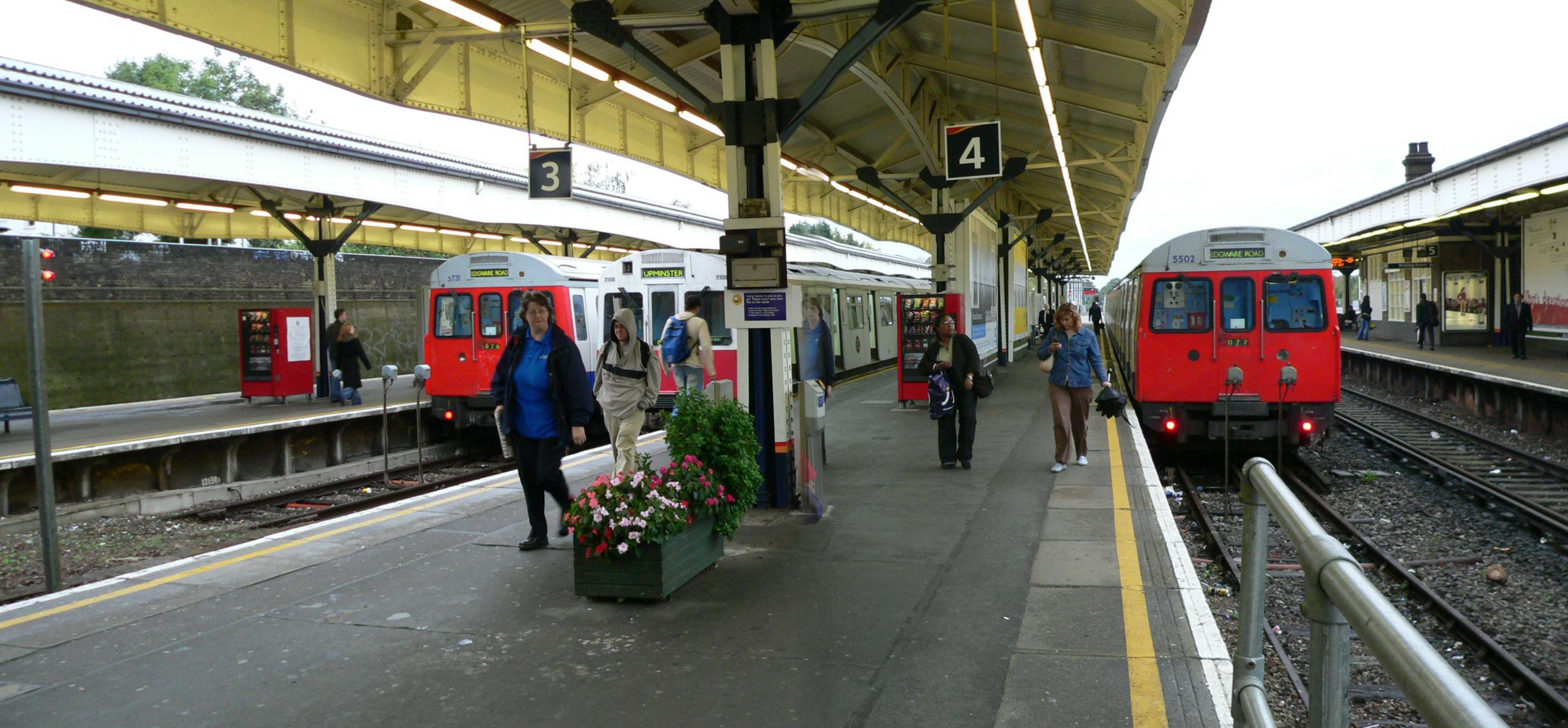 Wimbledon_station_02.jpg