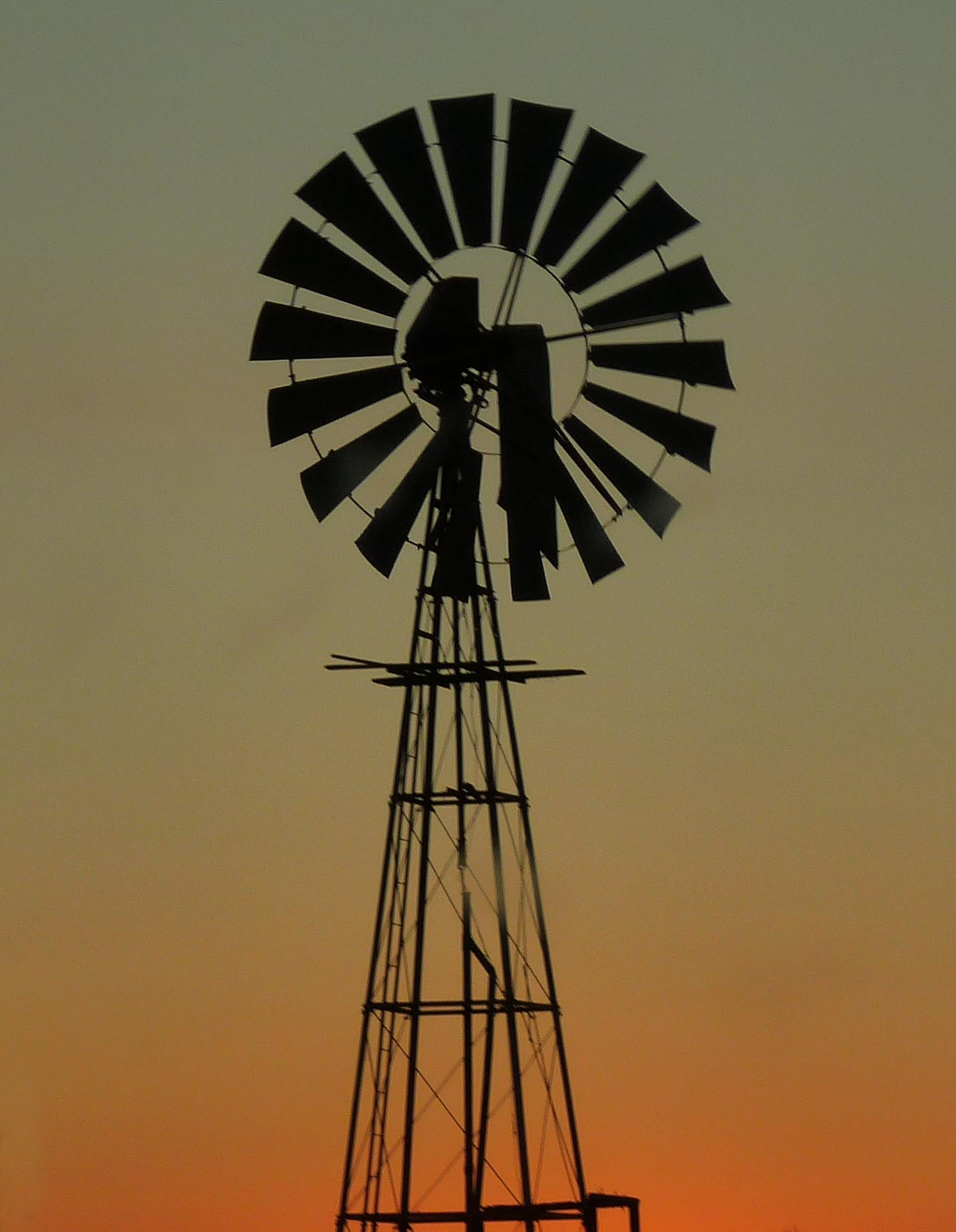 File:Wind pump 02 (3551193086).jpg - Wikimedia Commons