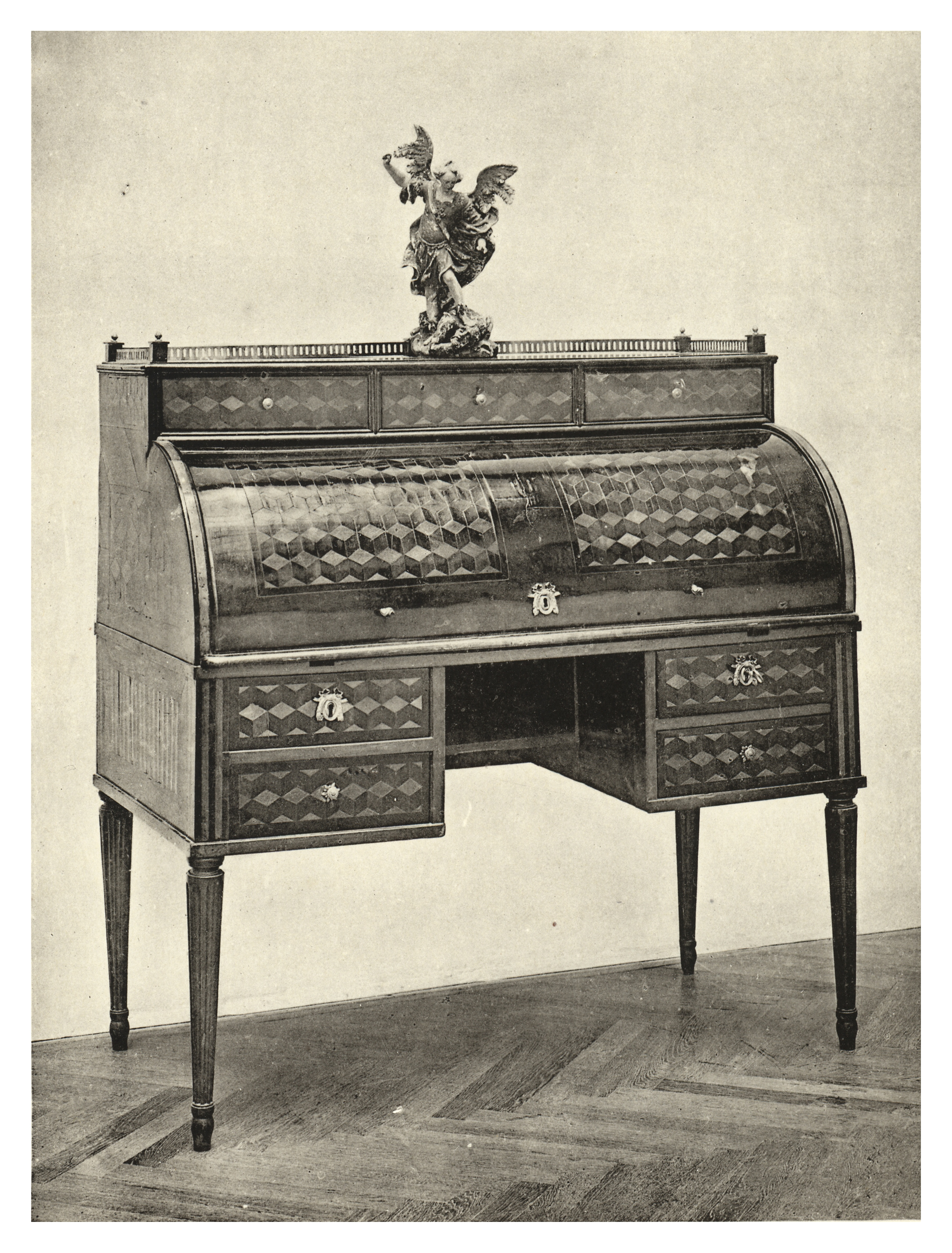 https://upload.wikimedia.org/wikipedia/commons/5/58/085_Josepinism_Style_Furniture.jpg