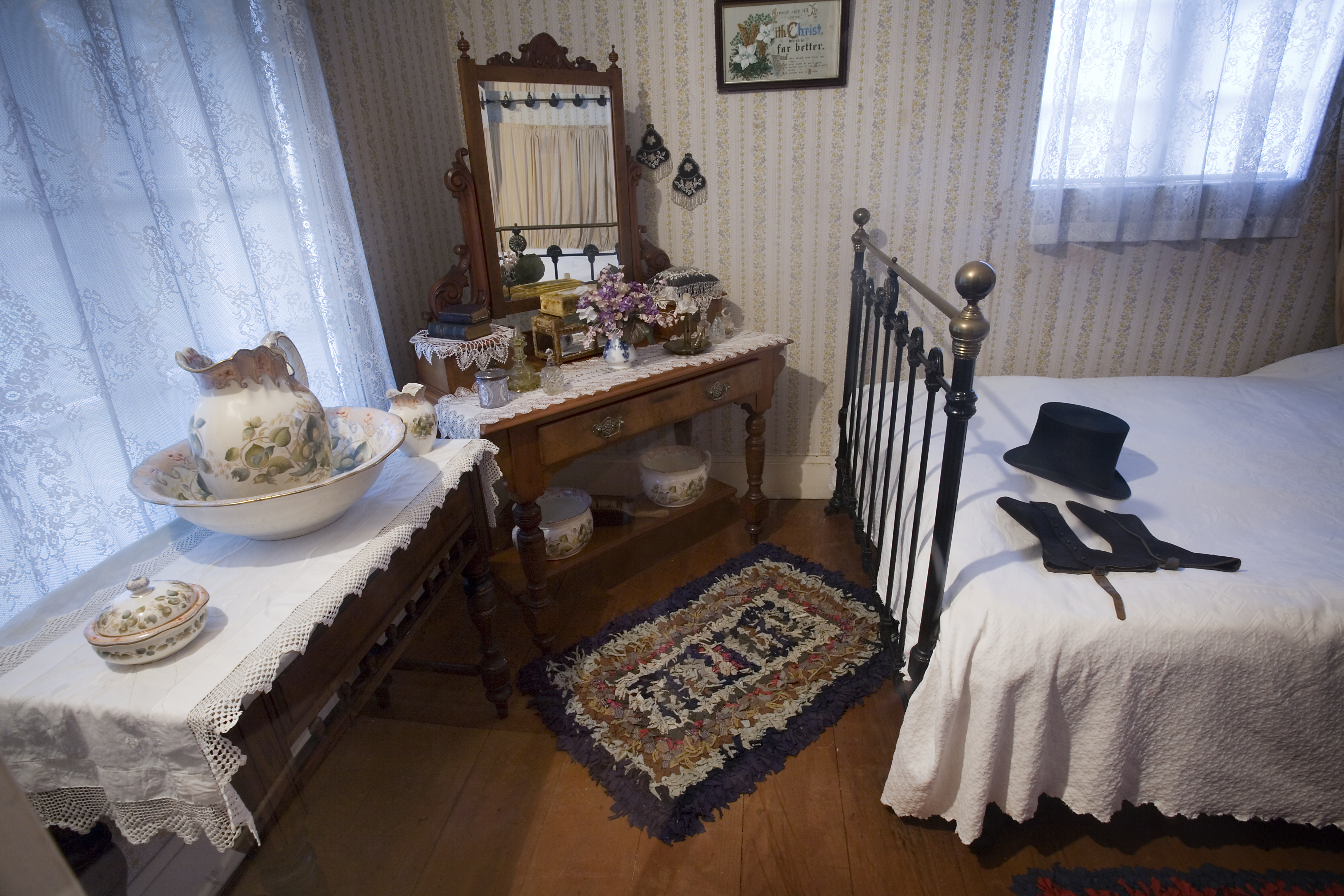 File19th Century Bedroom Auckland