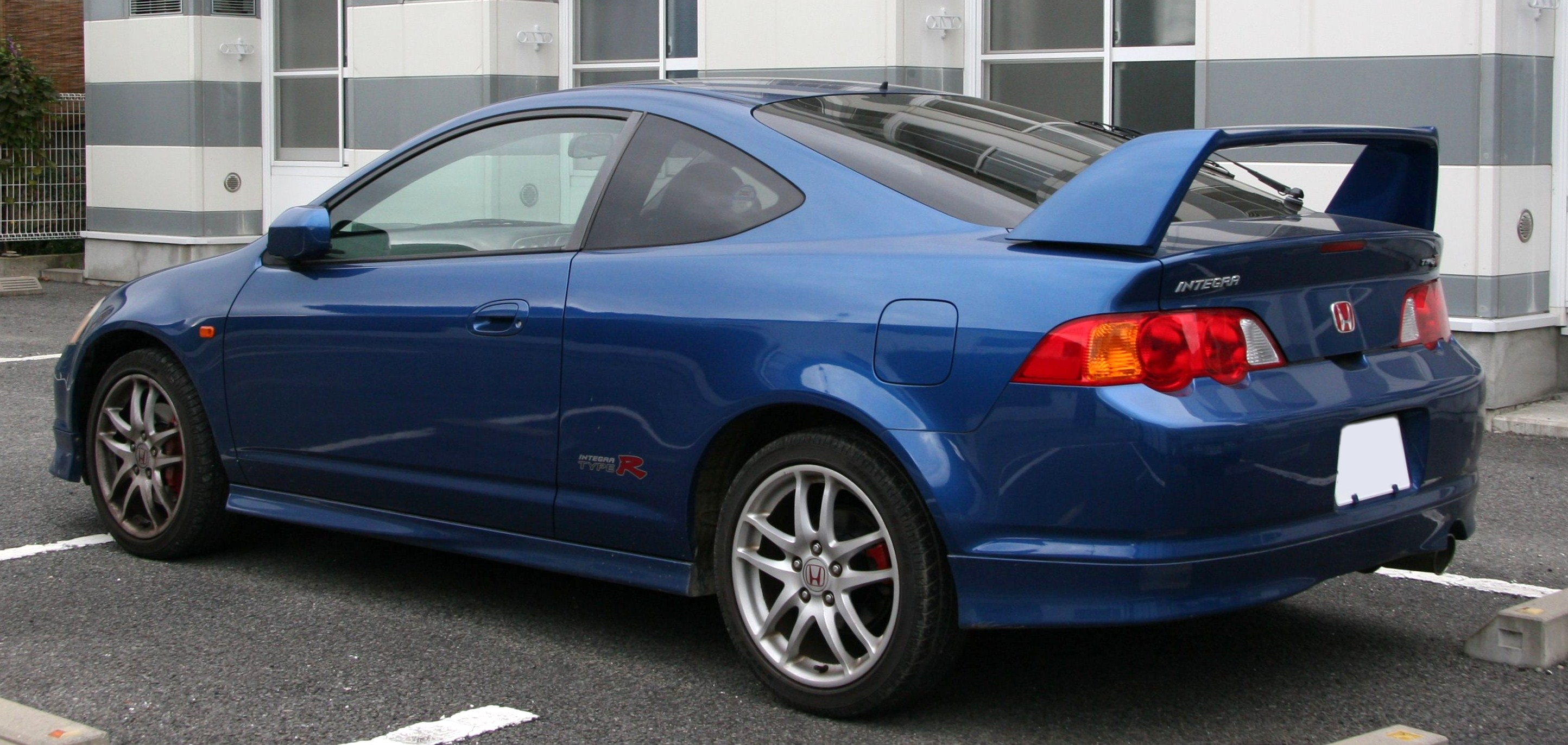 File:2001-2004 Honda Integra Type-R rear.jpg - Wikimedia Commons