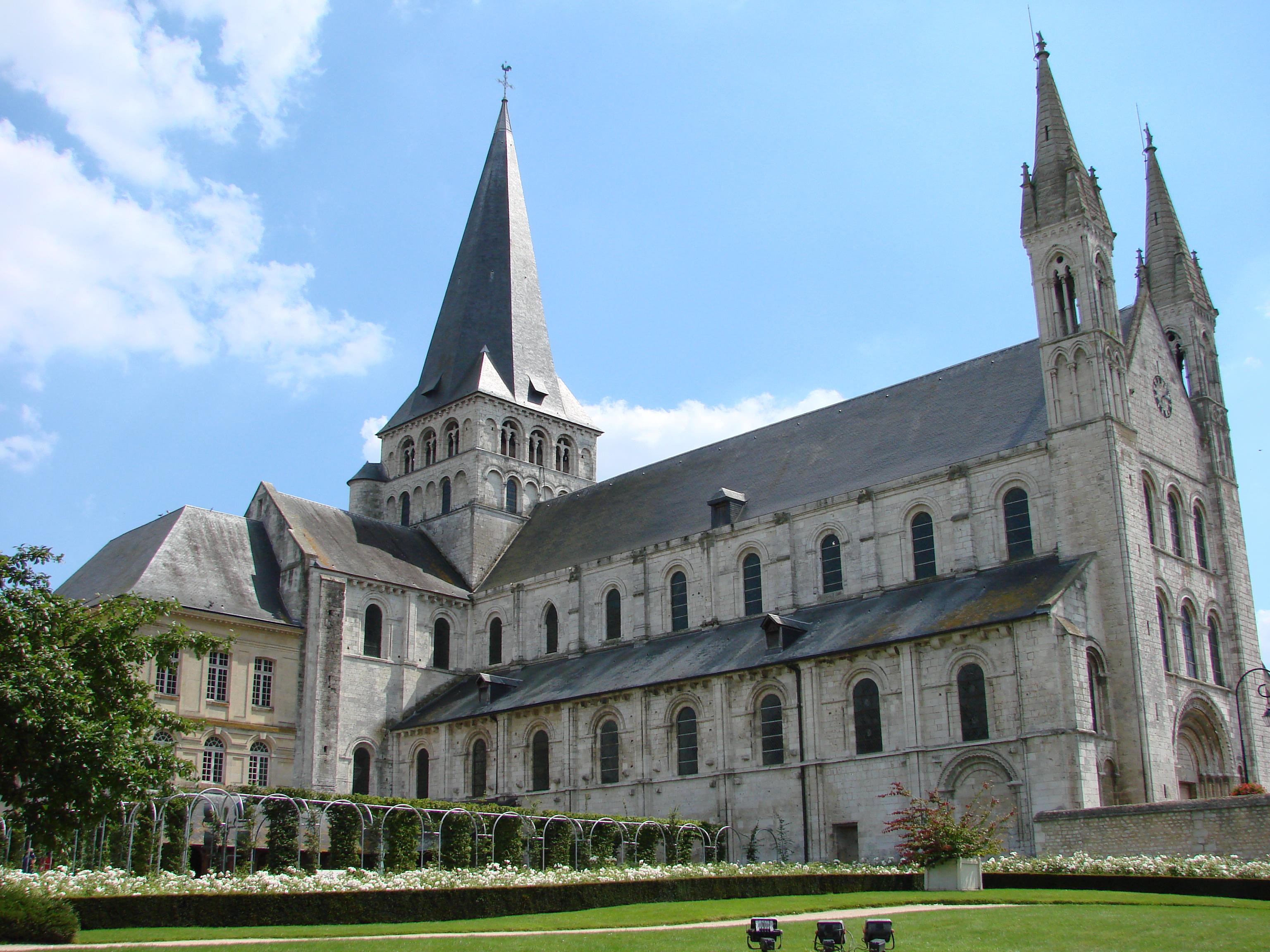 2007-07-28 08-04 Paris, Normandie 0396 Boscherville, Abbaye Saint-Georges.jpg