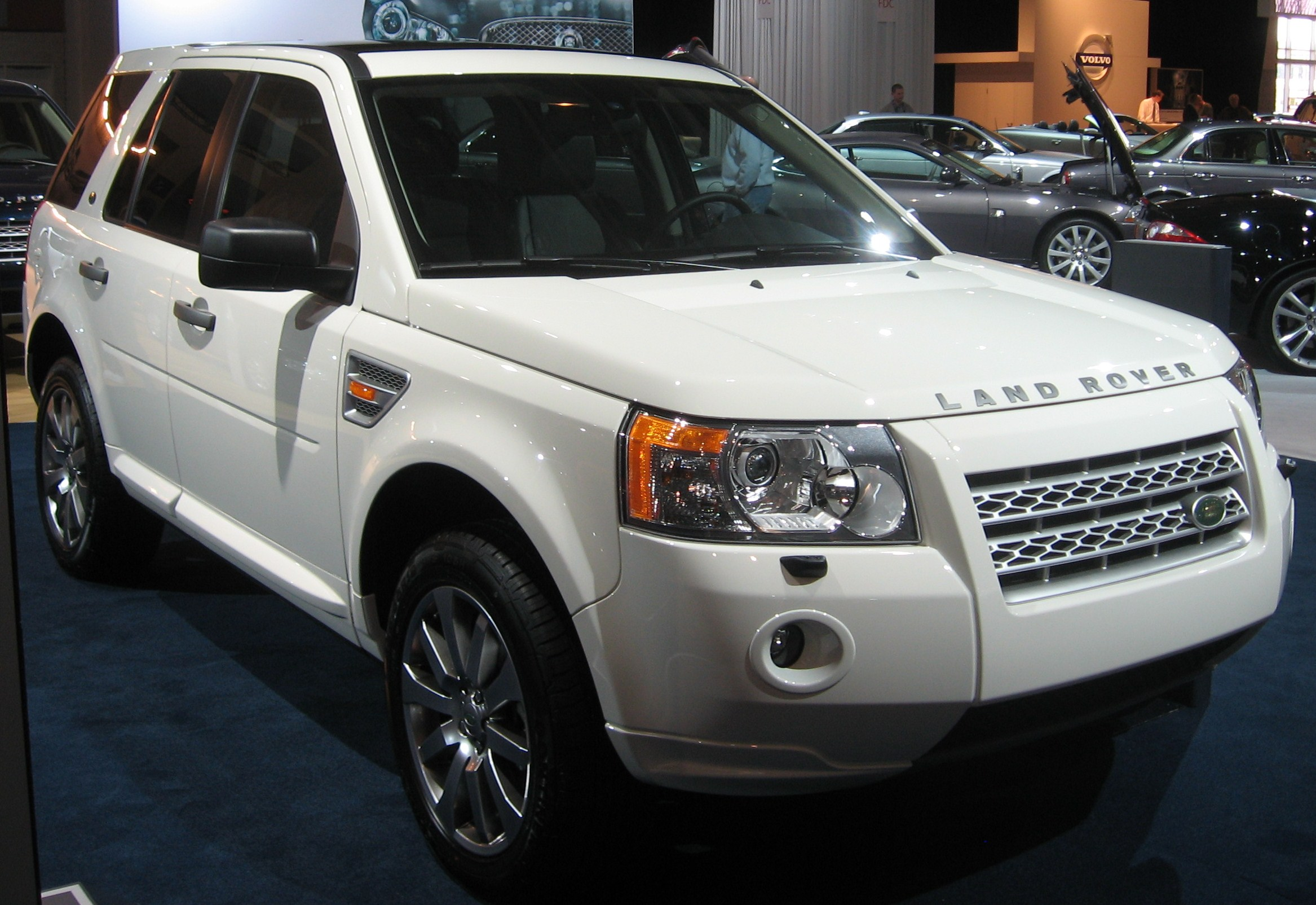 File:2008 Land Rover LR2 DC.JPG - Wikimedia Commons