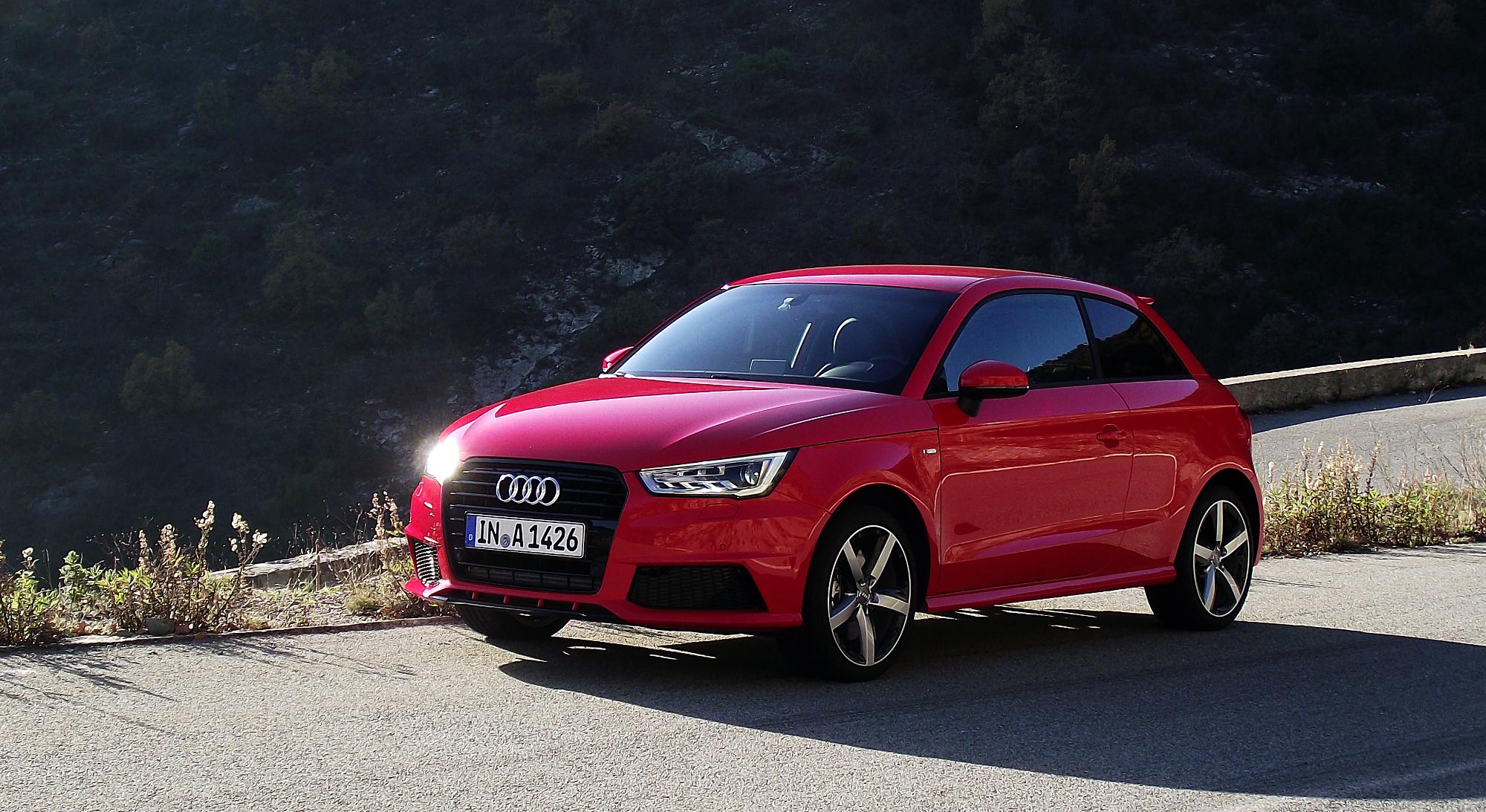 Description 2015 Facelift Audi A1 Typ 8X 1.8 TFSI S tronic 141 kW
