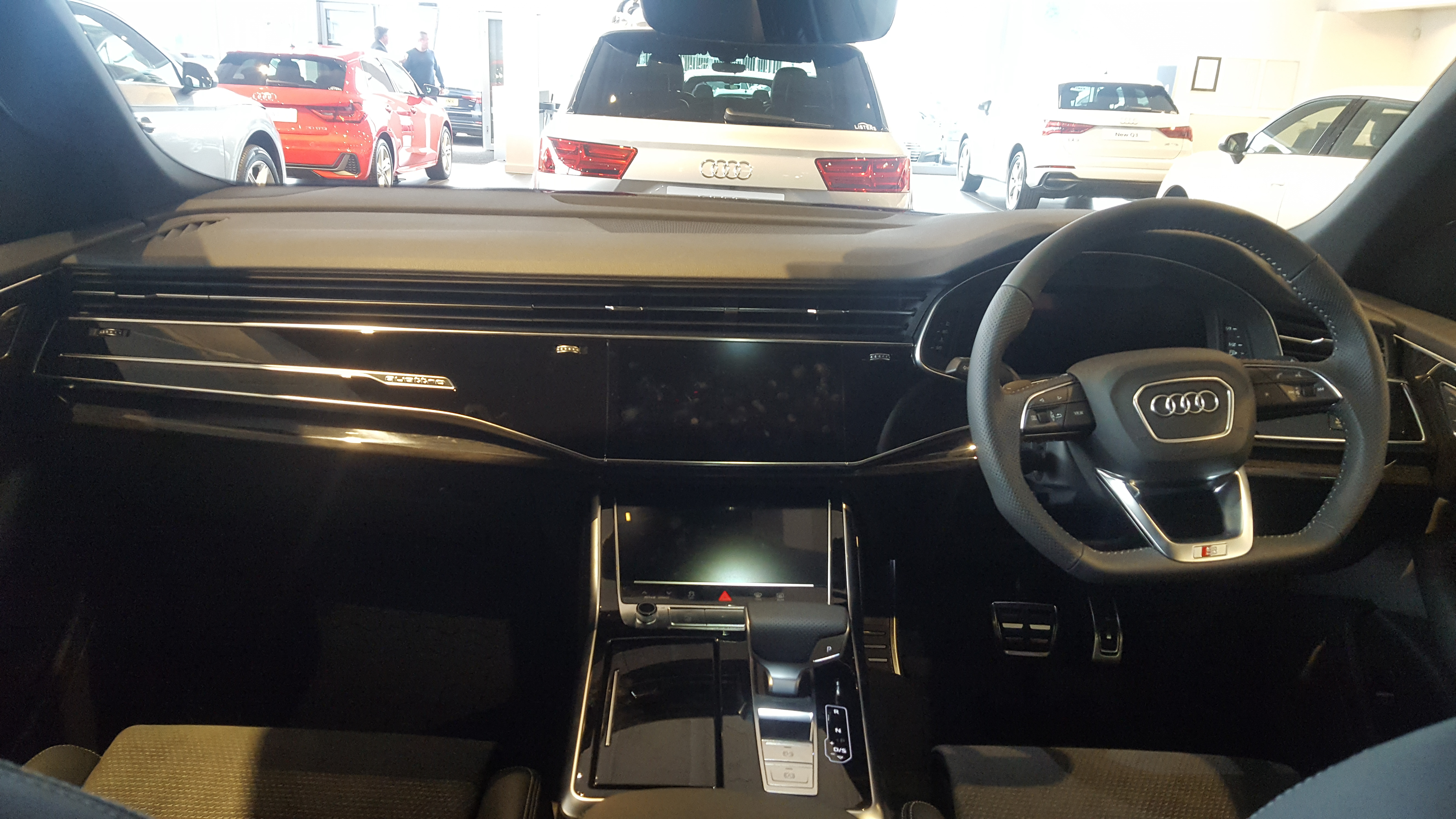 File 2019 Audi Q8 Tdi Quattro 50 Interior Jpg Wikimedia Commons