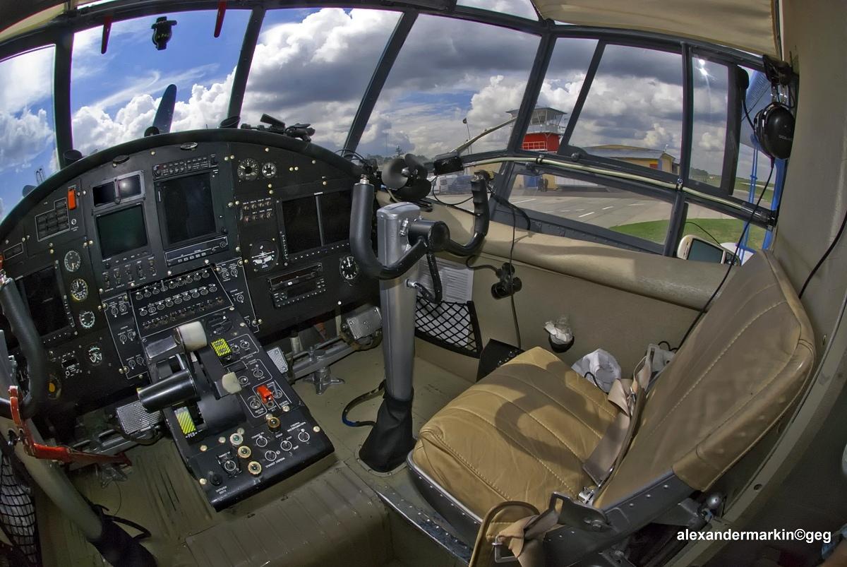 Antonov_An-2_RA-2099G_(14561716393).jpg