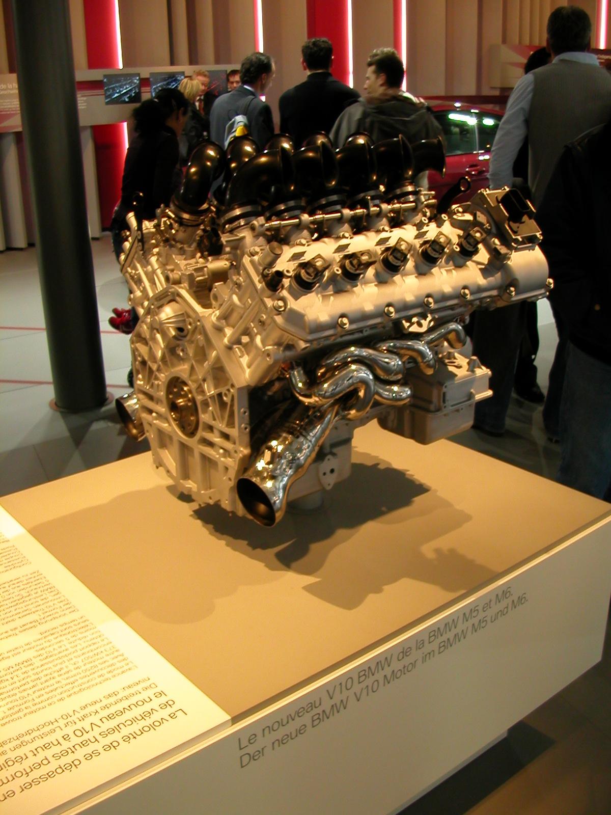 Bmw m6 V10 Engine File:bmw Engine m5 And M6.jpg
