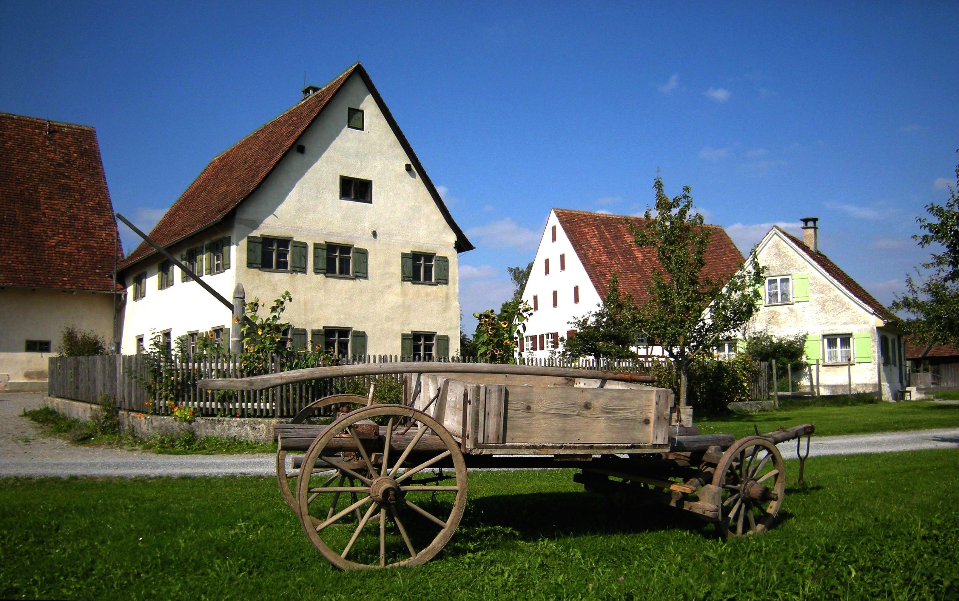 File:Bad Schussenried   Museumsdorf Kürnbach Hof Mit Holz   Leiterwagen