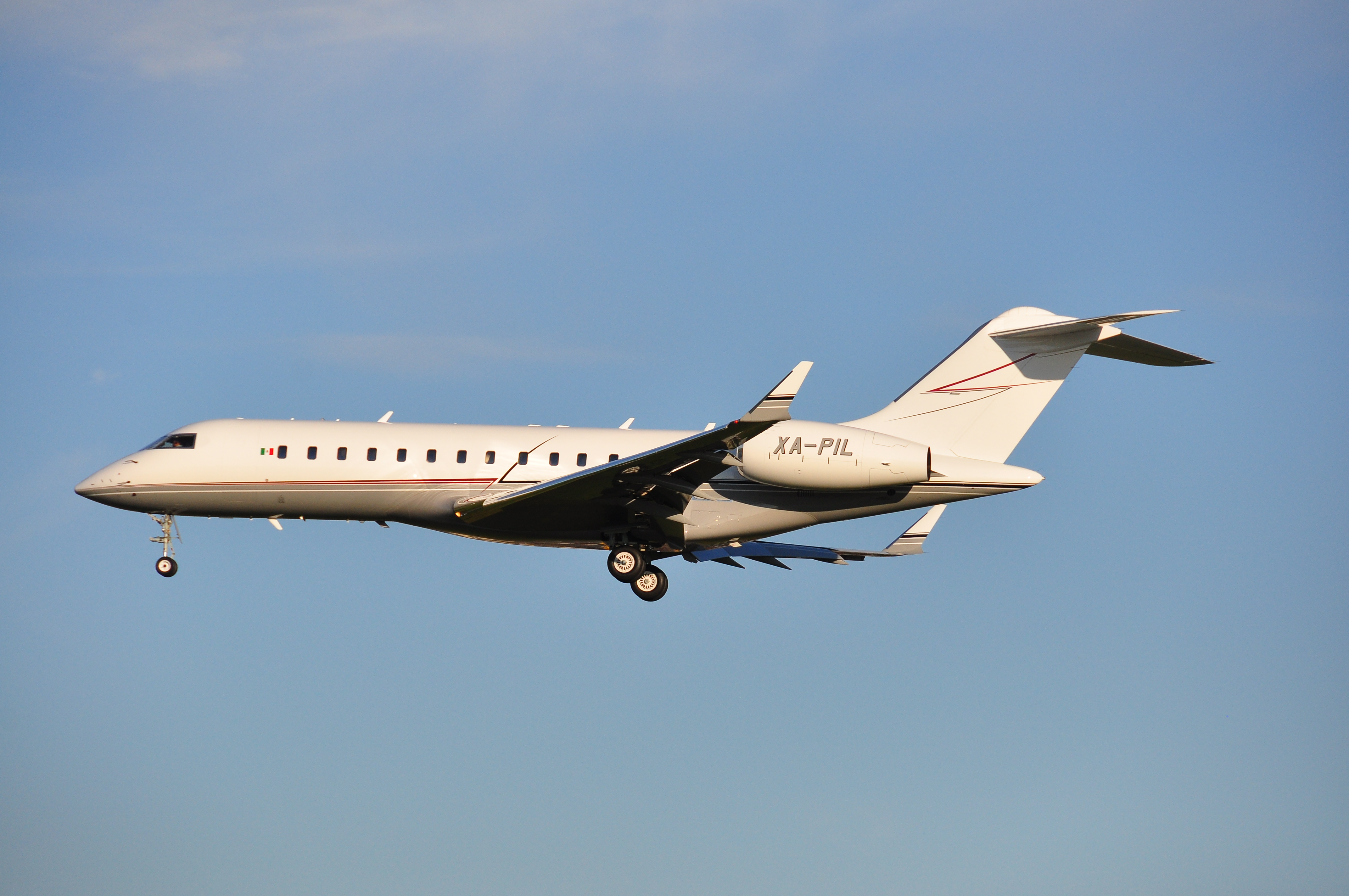 Pin Bombardier Global Express on Pinterest