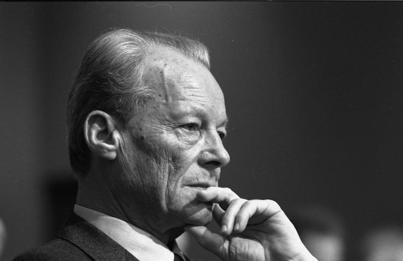 File:Bundesarchiv B 145 Bild-F066928-0012, Köln, SPD-Parteitag, Willy Brandt.jpg