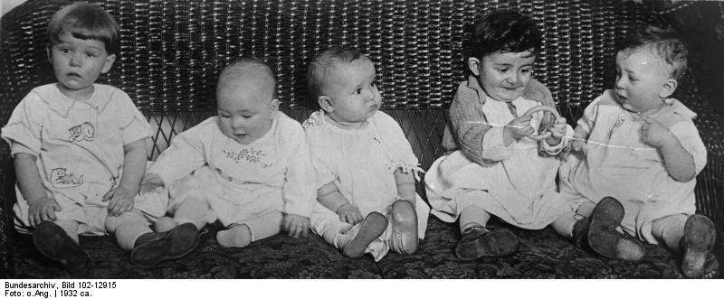 Bundesarchiv Bild 102-12915, England, Schönheitspreis für Babys.jpg