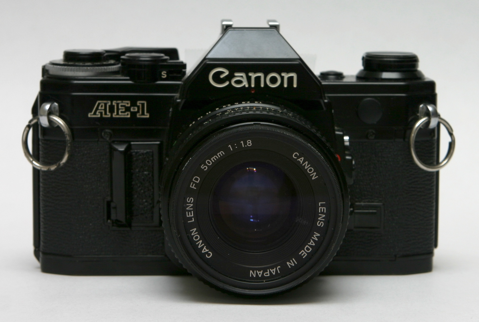 File:Canon AE-1 front ...