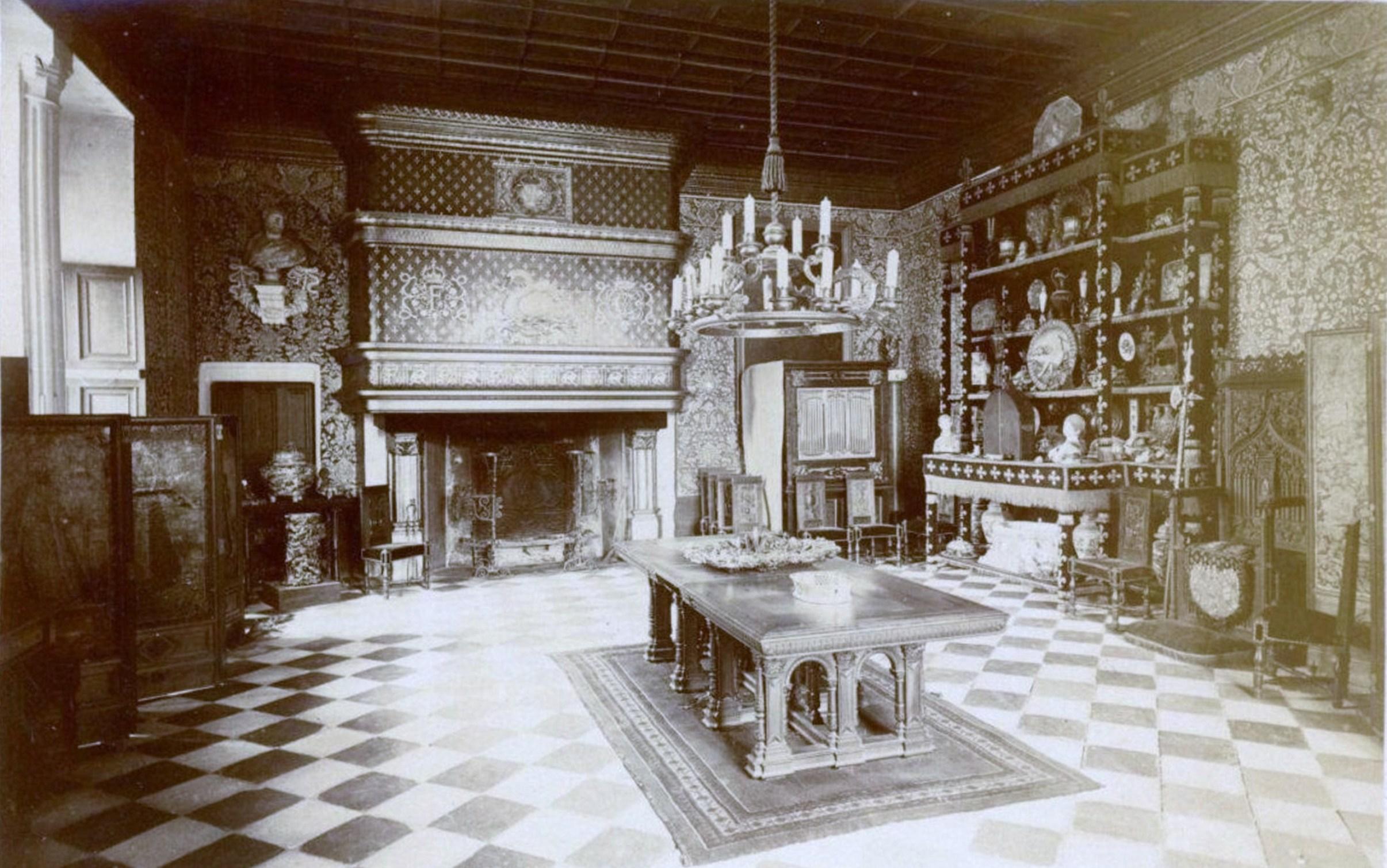 File:Château de Chenonceau - Salle à manger (05).jpg - Wikimedia Commons