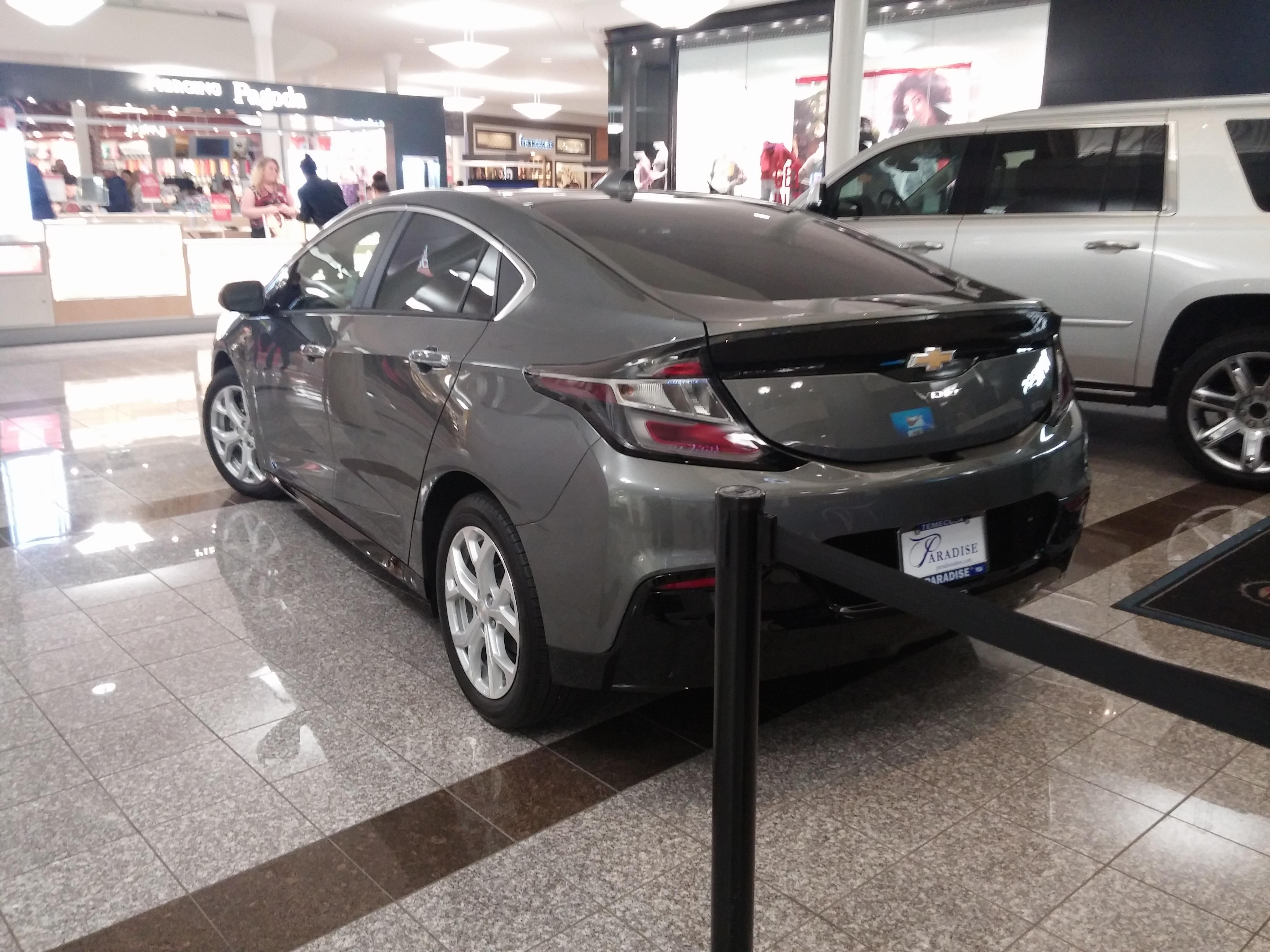 File Chevrolet Volt 2017 2 Jpg