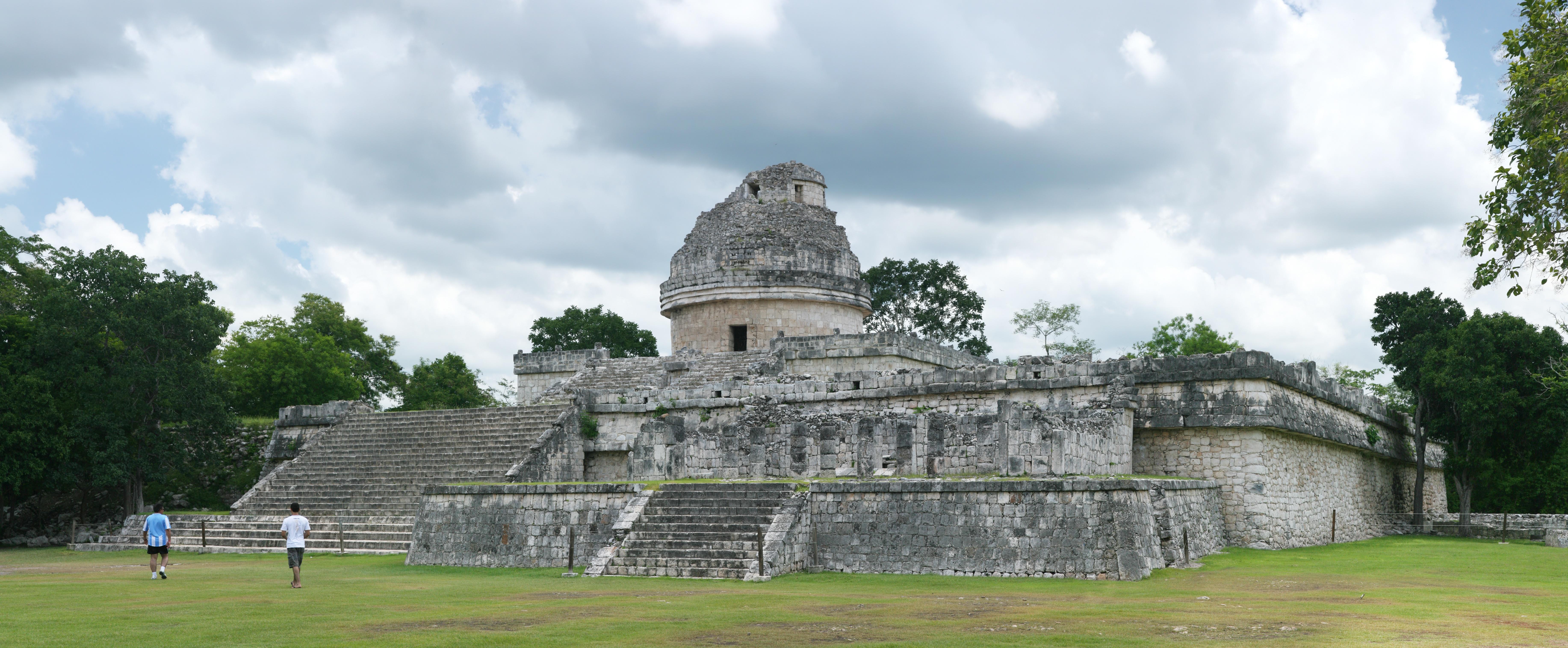 Mayská observatoř v Chichén Itzá