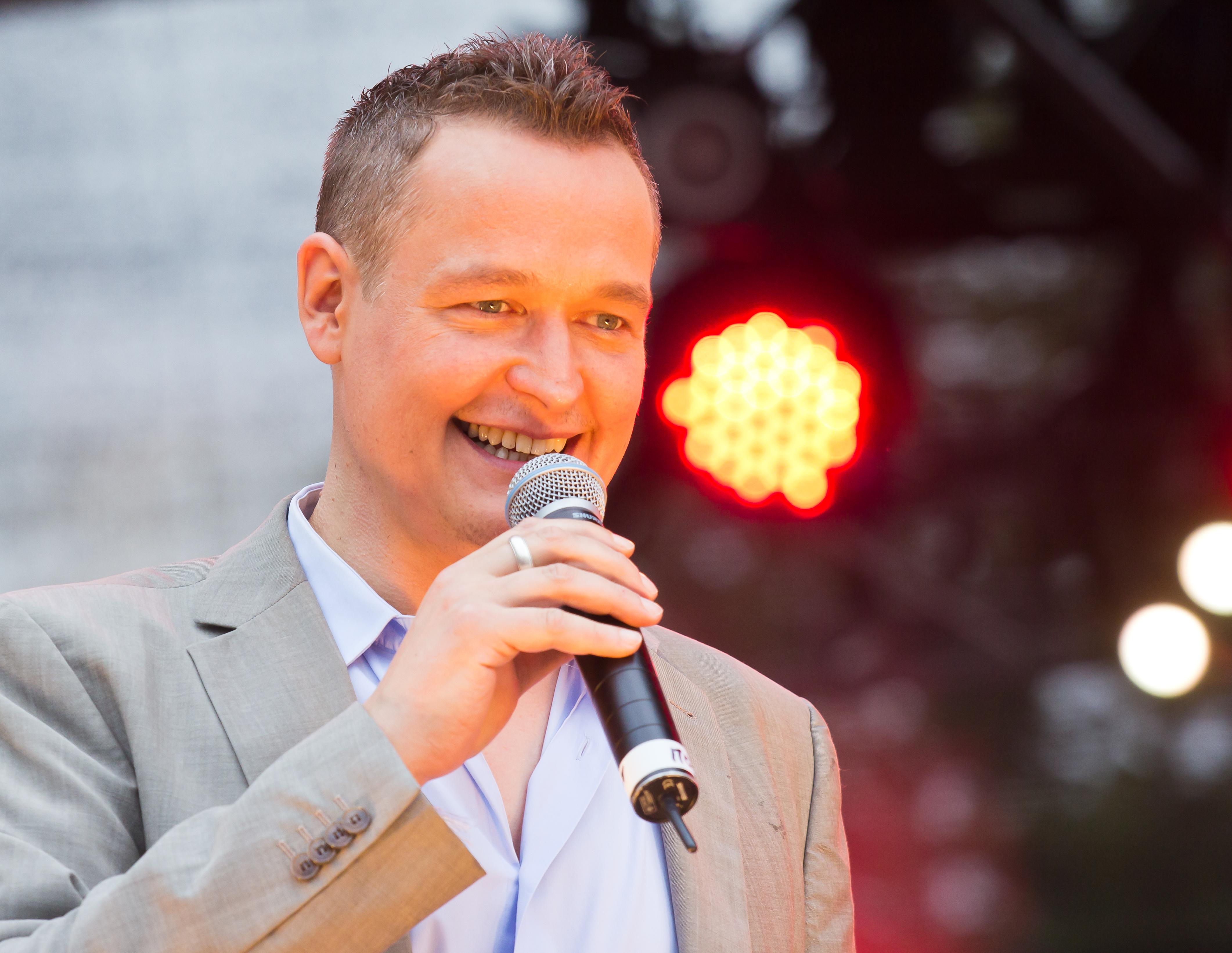 Filecolognepride 2014 Heumarkt 1731 Moderator Bernd Fuchs 2270