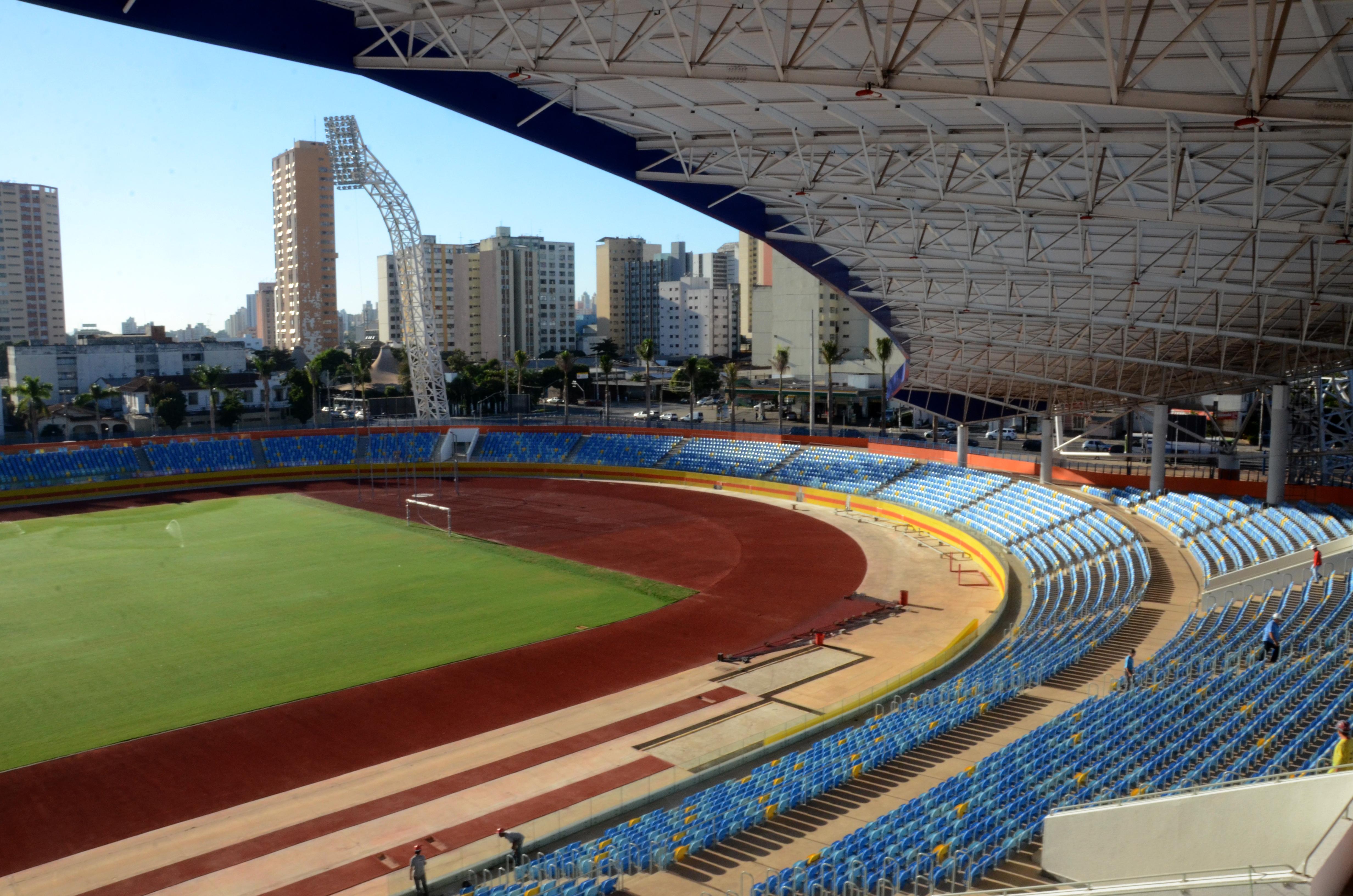 9b1fb93f97b36 Vista do Estádio Olímpico Pedro Ludovico, a partir da arquibancada.