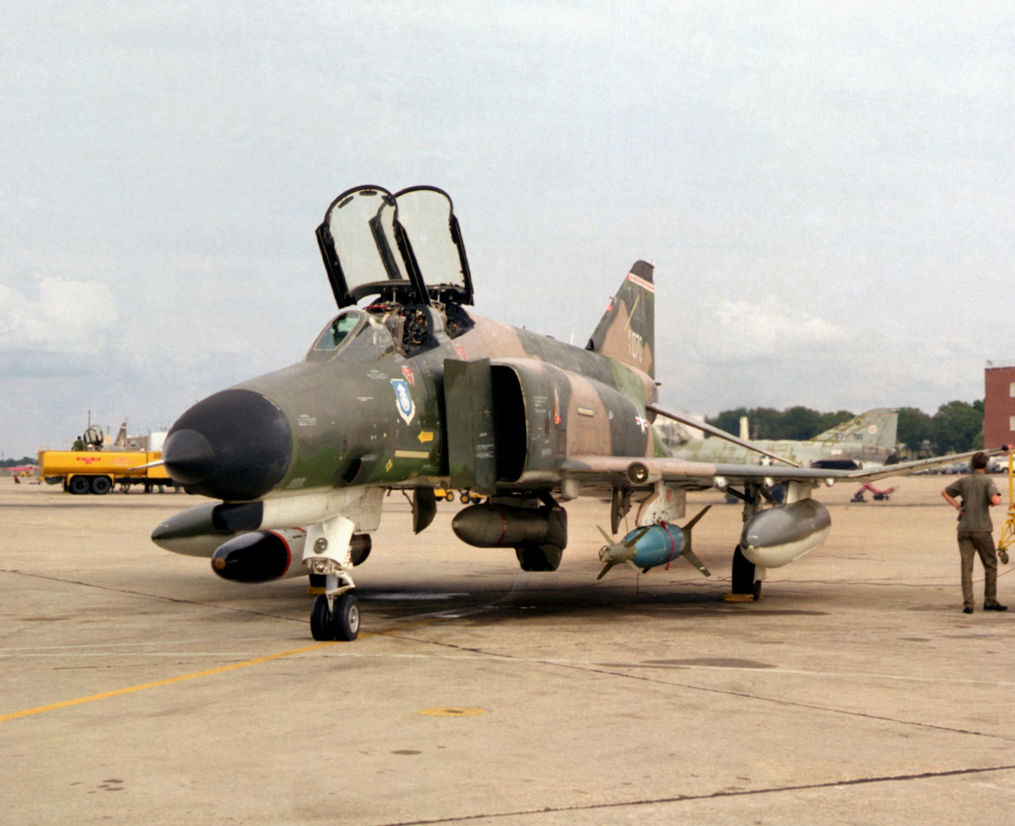 http://upload.wikimedia.org/wikipedia/commons/5/58/F-4E_with_Pave_Track_laser_at_Eglin_AFB_1976.JPEG