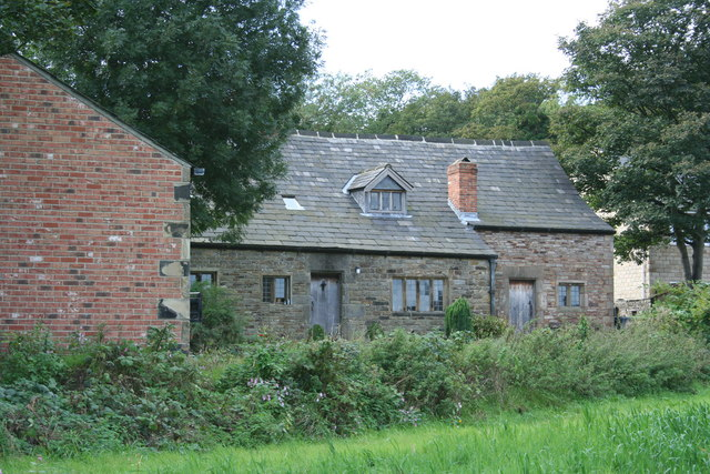 Farm buildings in Gomersal - geograph.org.uk - 1030129