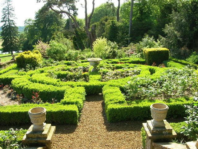 Farnborough Hall Formal Gardens - geograph.org.uk - 1303831