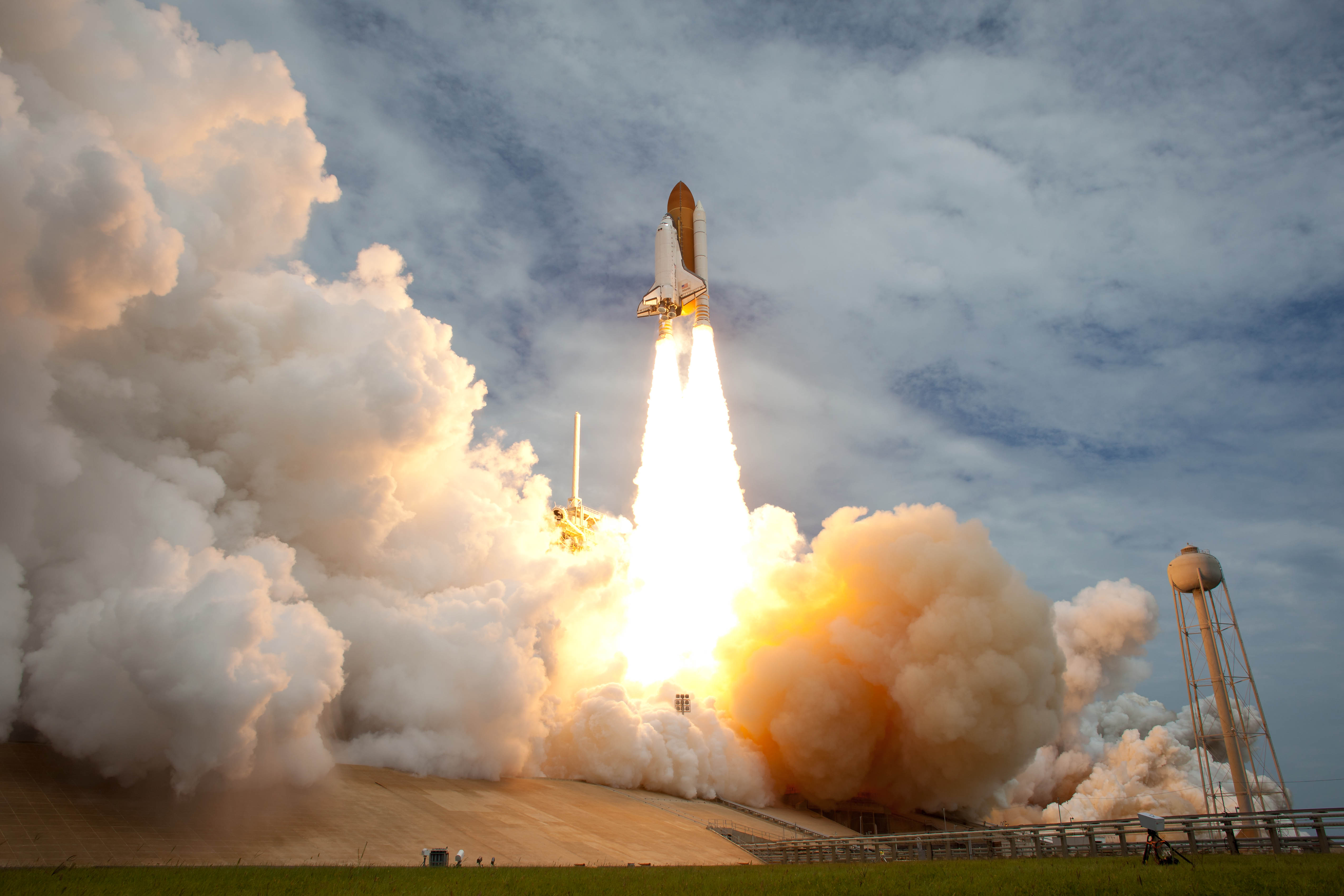 space shuttle launch to space - photo #8