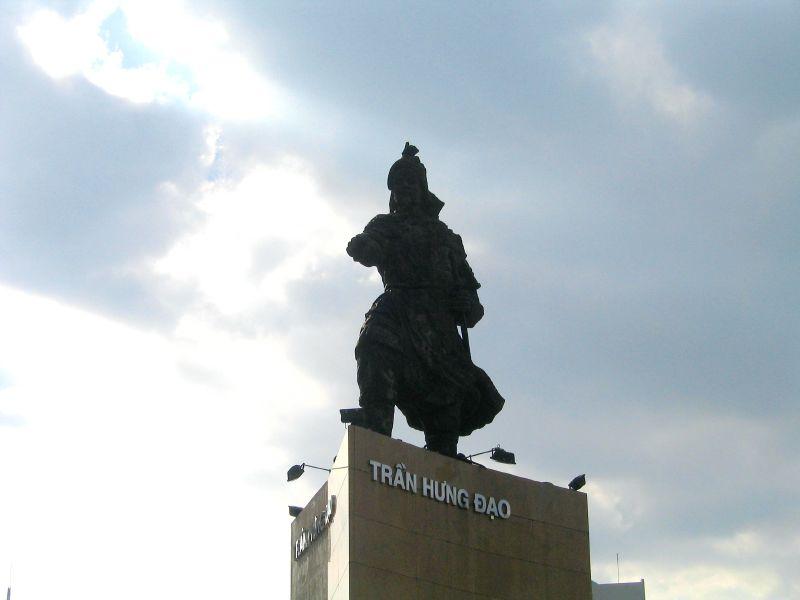 File General Tran Hung Dao Statue Ho Chi Minh City Or Saigon Jpg Wikimedia Commons