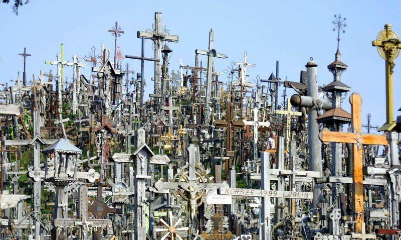 на фото гора крестов, Шауляй,Литва