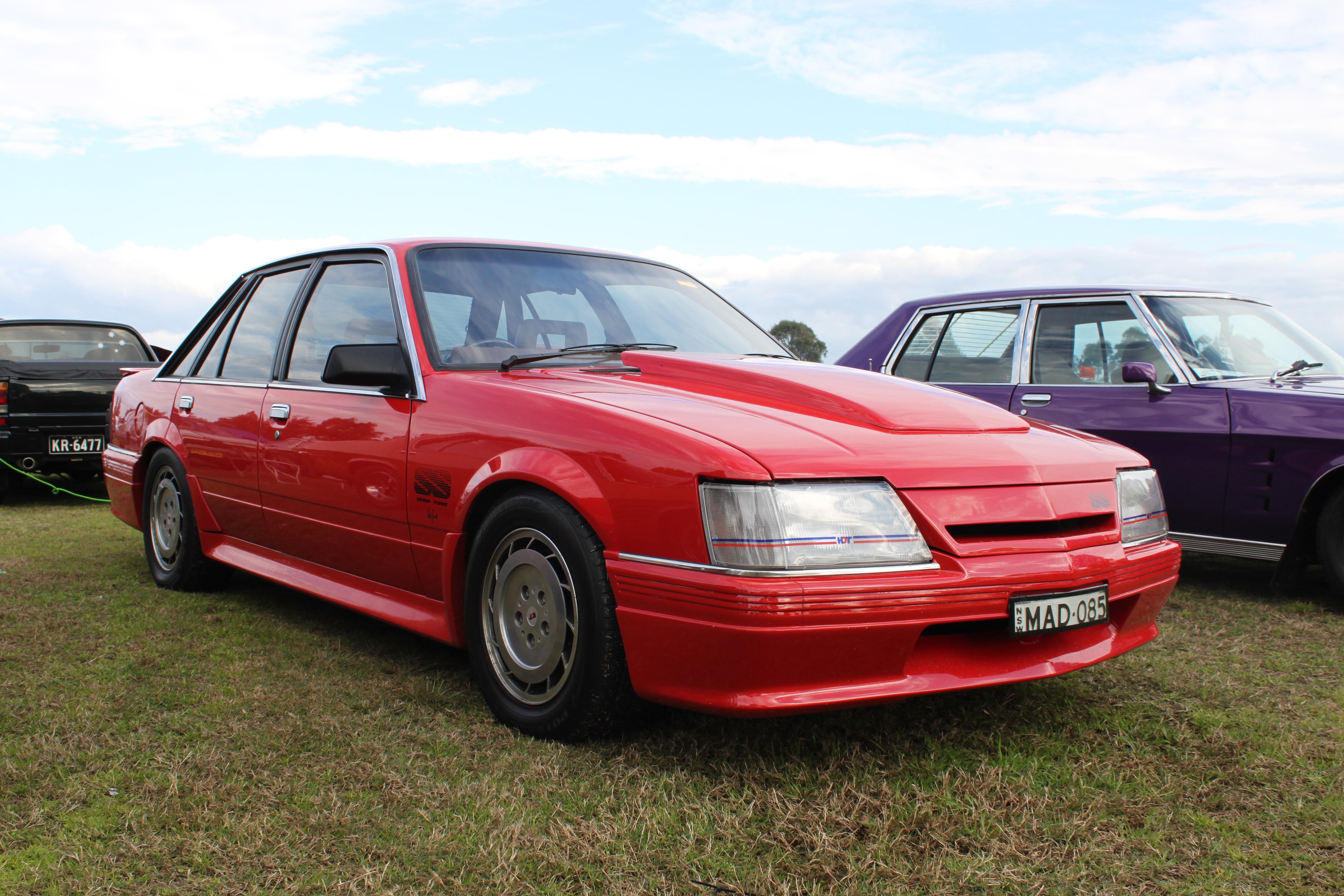 File Holden Commodore Vk Hdt Ss Group 3 15872679091 Jpg