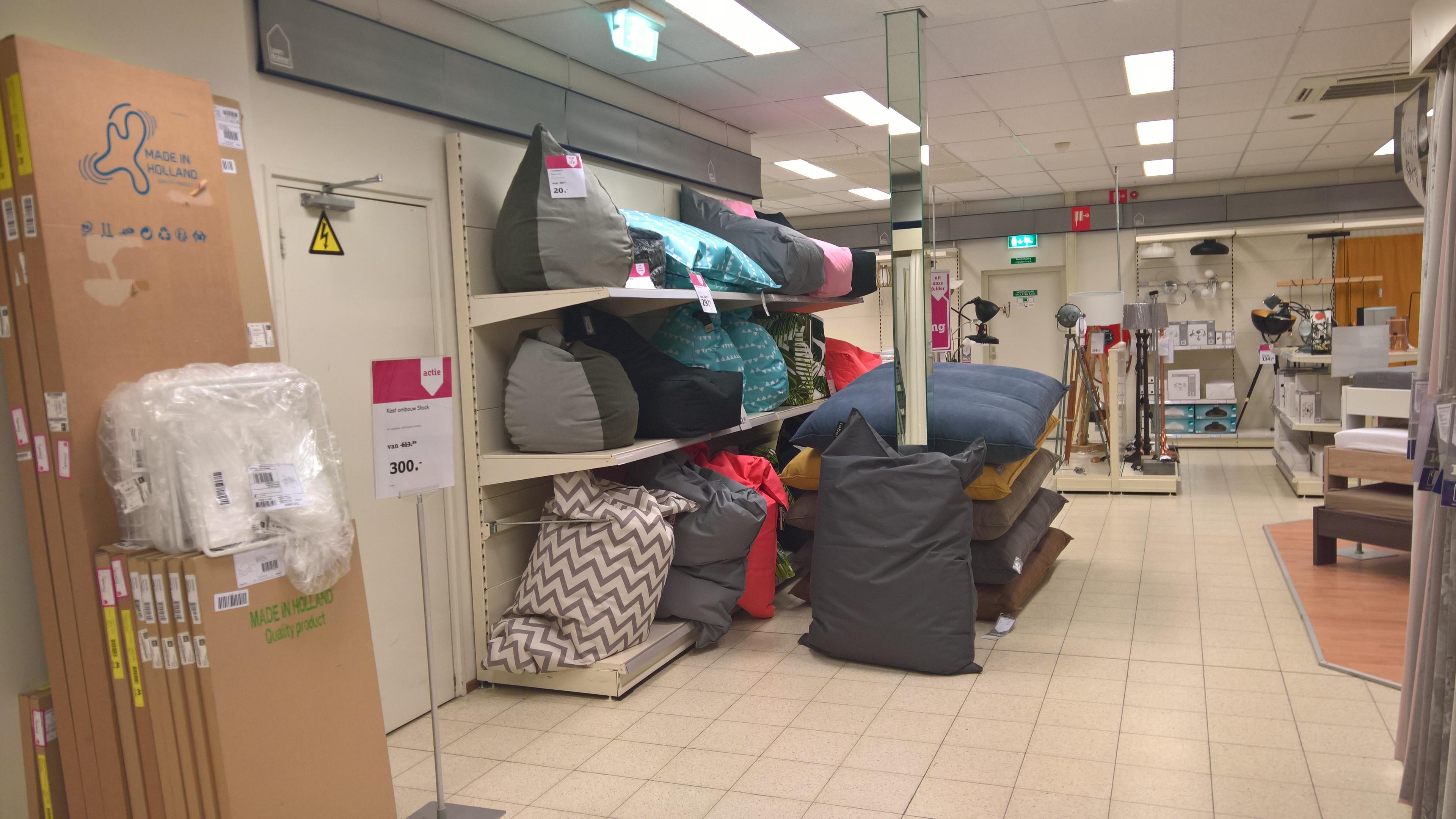 Stock Kast Leenbakker : File:interior of leen bakker postil winschoten 2017 18.jpg