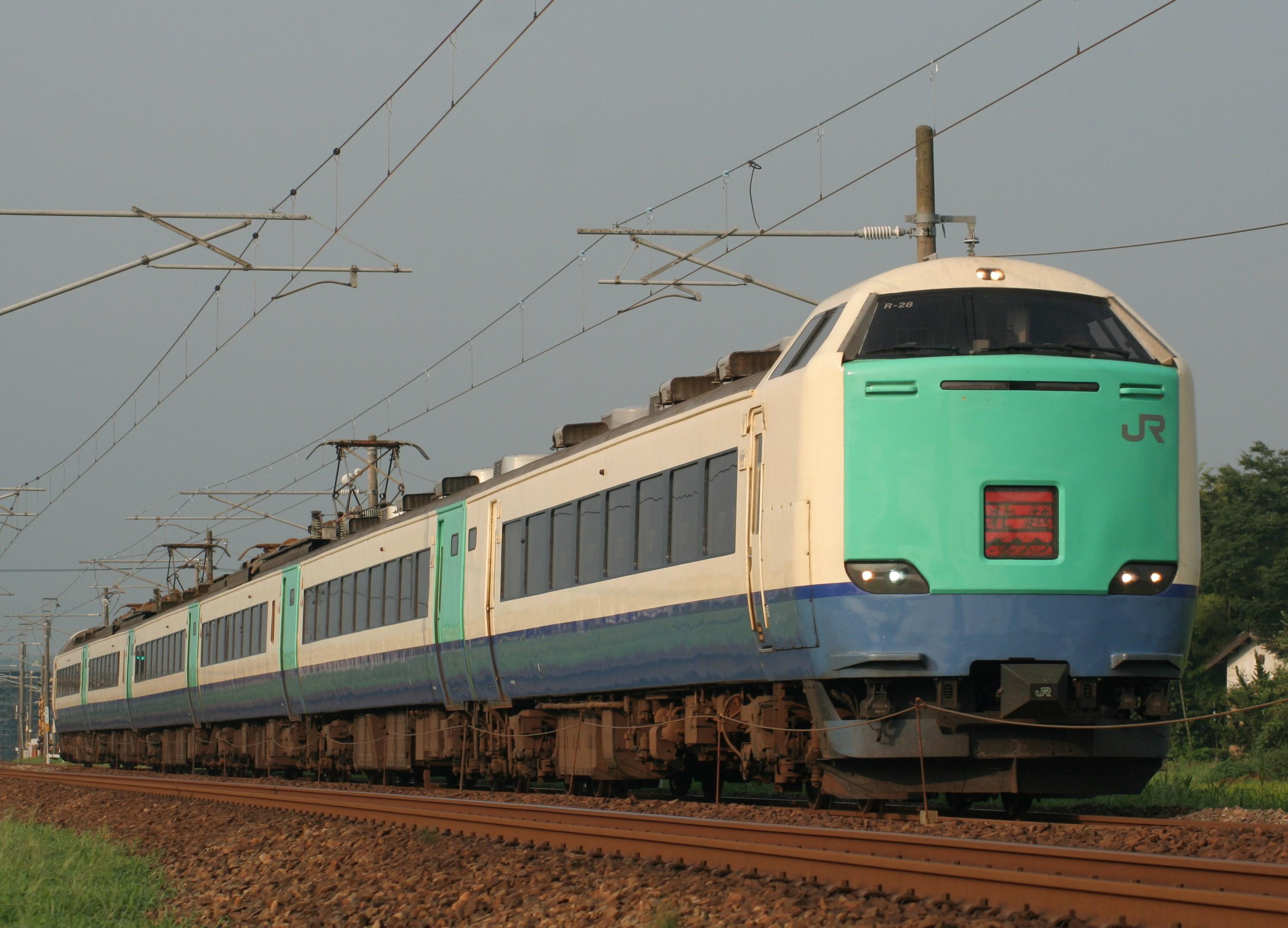 File:JRE EC 485 series Hokuetsu R28.jpg - Wikimedia Commons