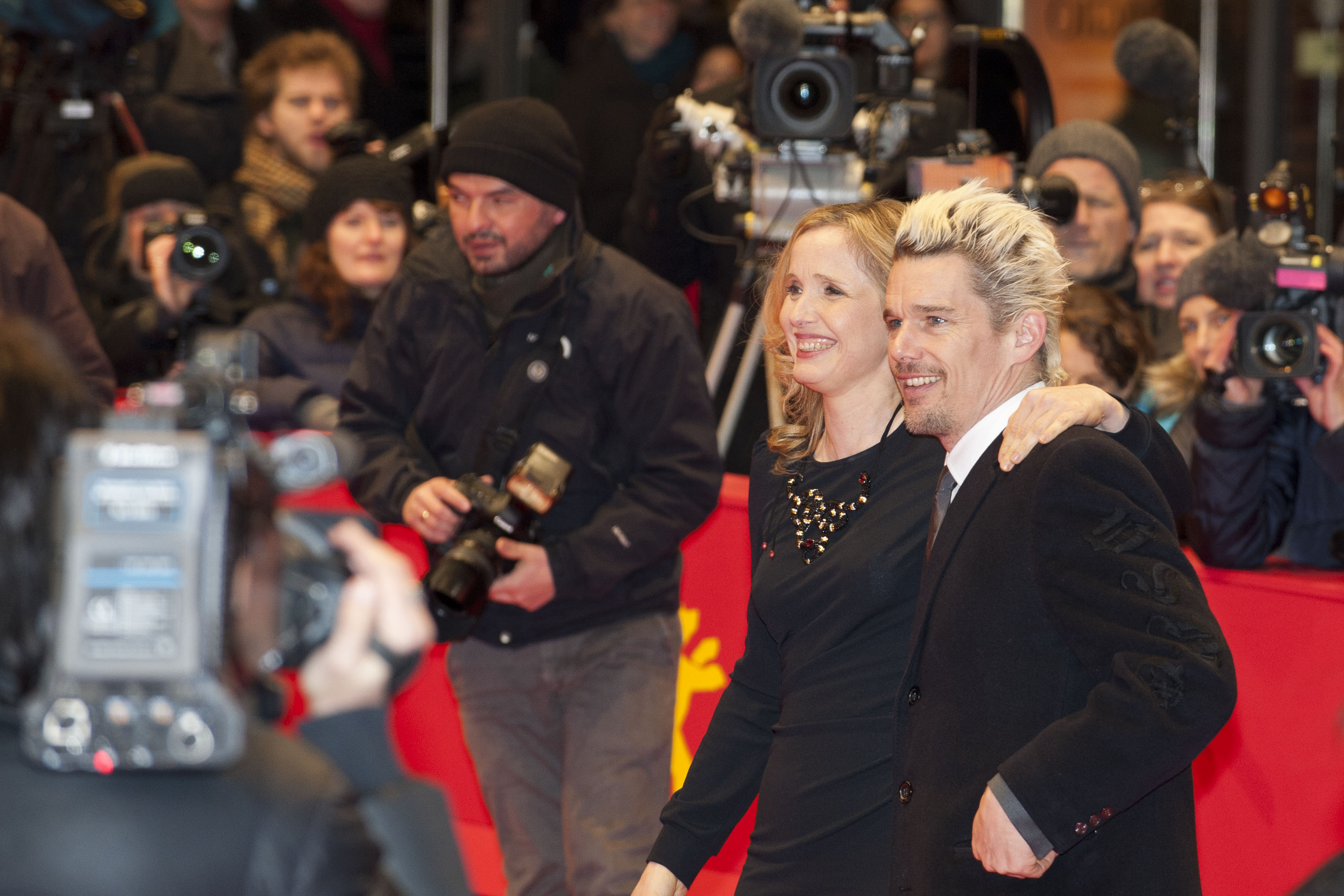 "File:Julie Delpy and Ethan Hawke, red carpet for the premiere of ""Before  Midnight"".jpg - Wikimedia Commons"