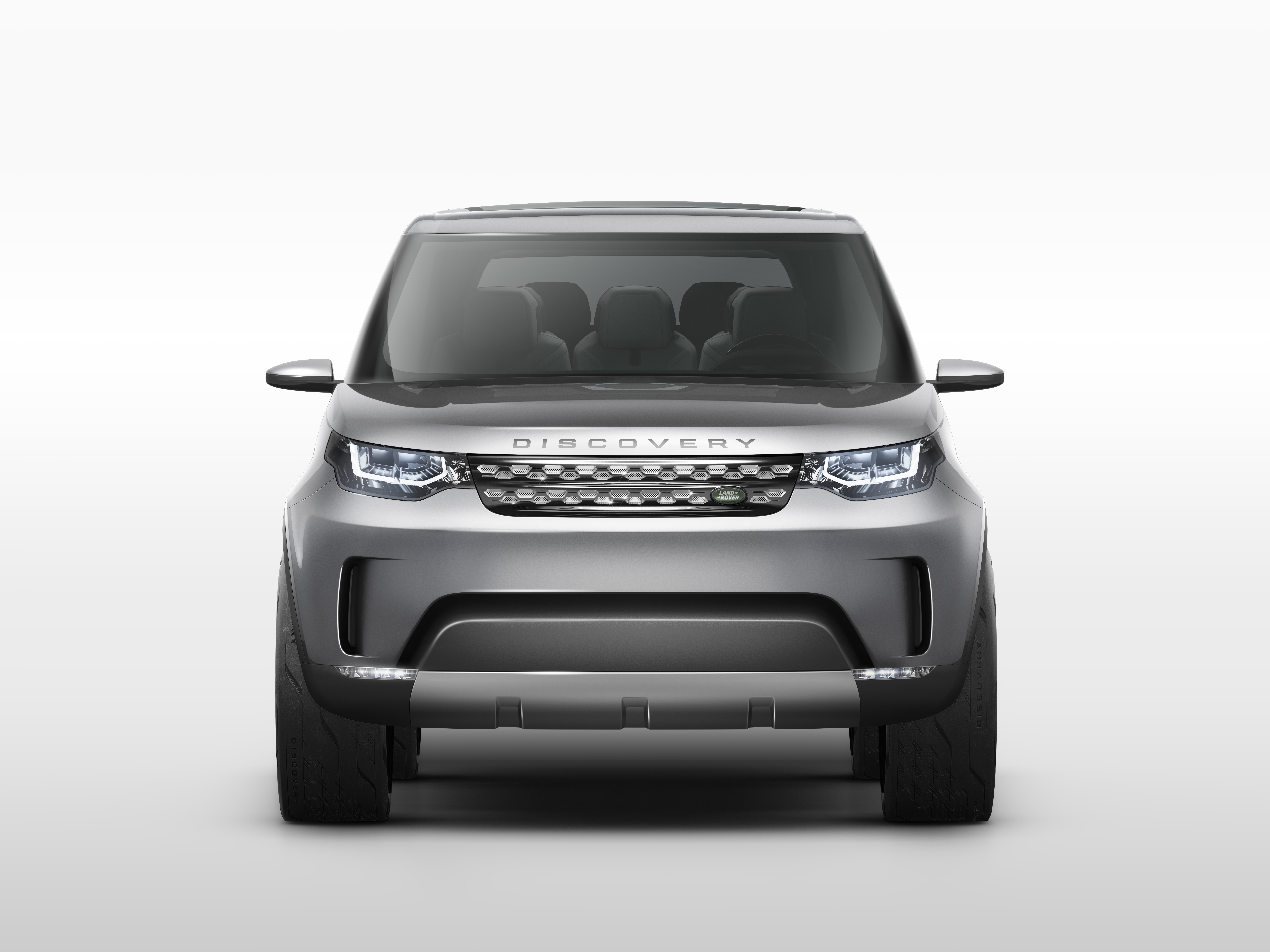 https://upload.wikimedia.org/wikipedia/commons/5/58/Land_Rover_Discovery_Vision_Concept_%2813861198684%29.jpg