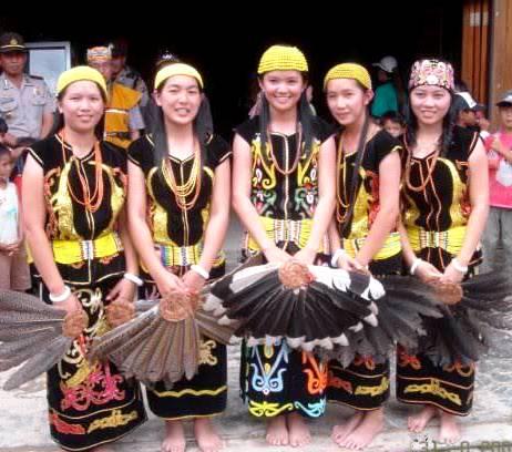 Gadis melayu dance - 3 6