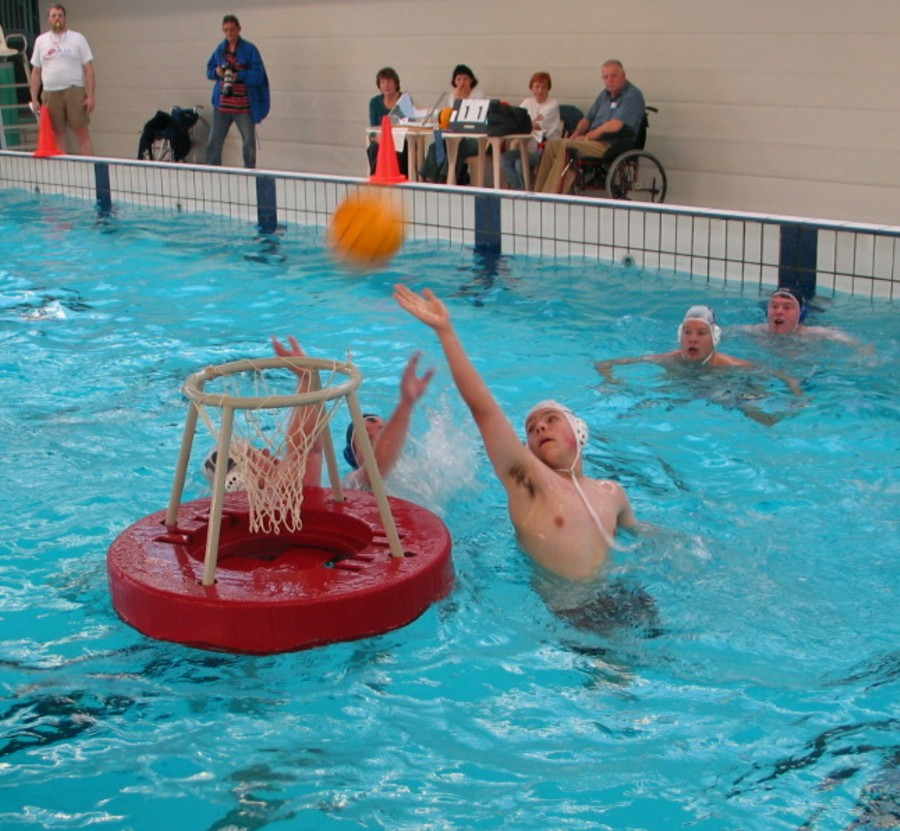 Water basketball wikipedia - Swimming pool games for two players ...