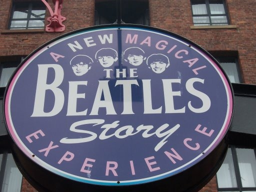 File:Museo Beatles.2.JPG