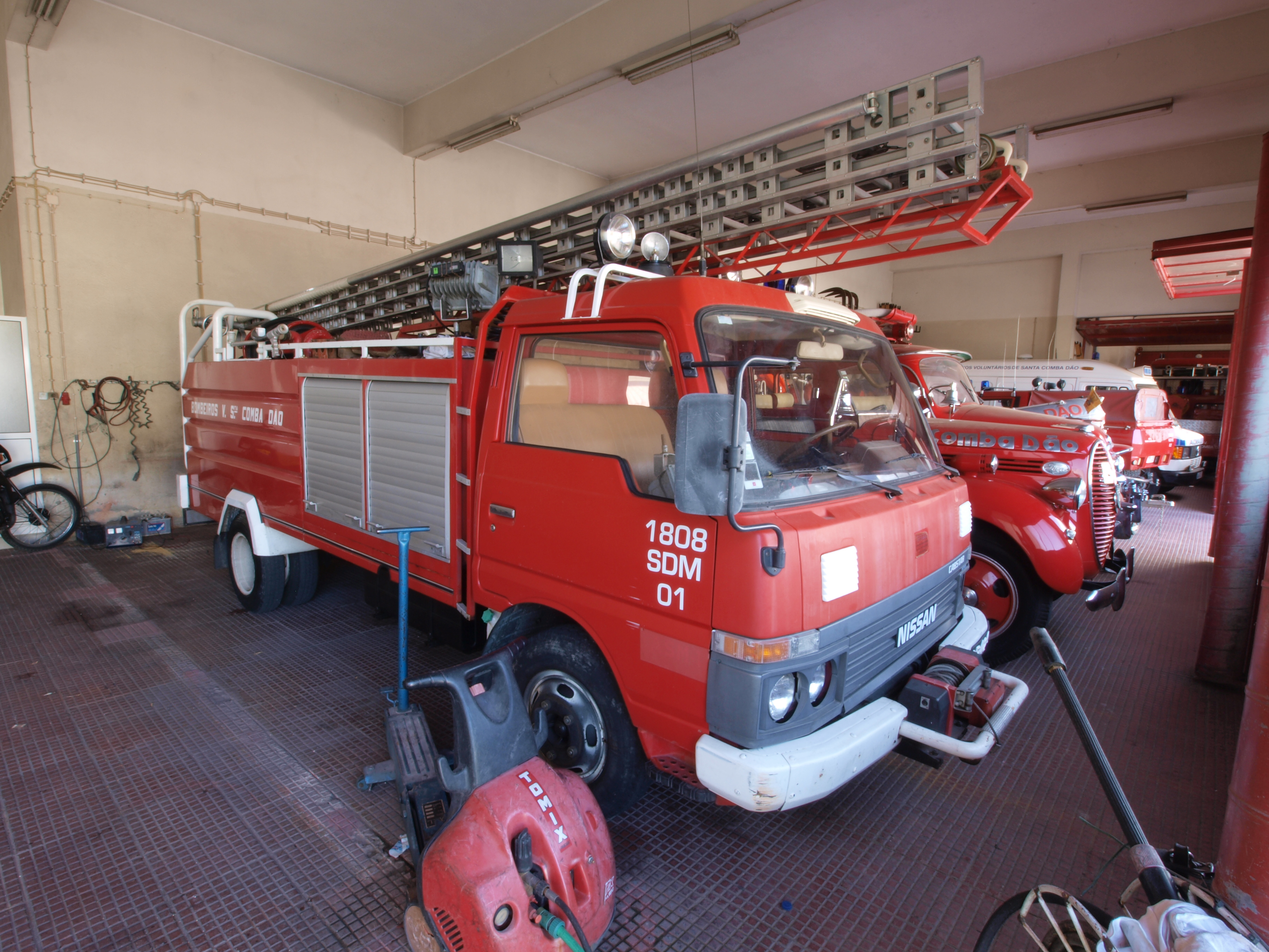 File Nissan Cabstar Fire Engine Of The Fire Department Of