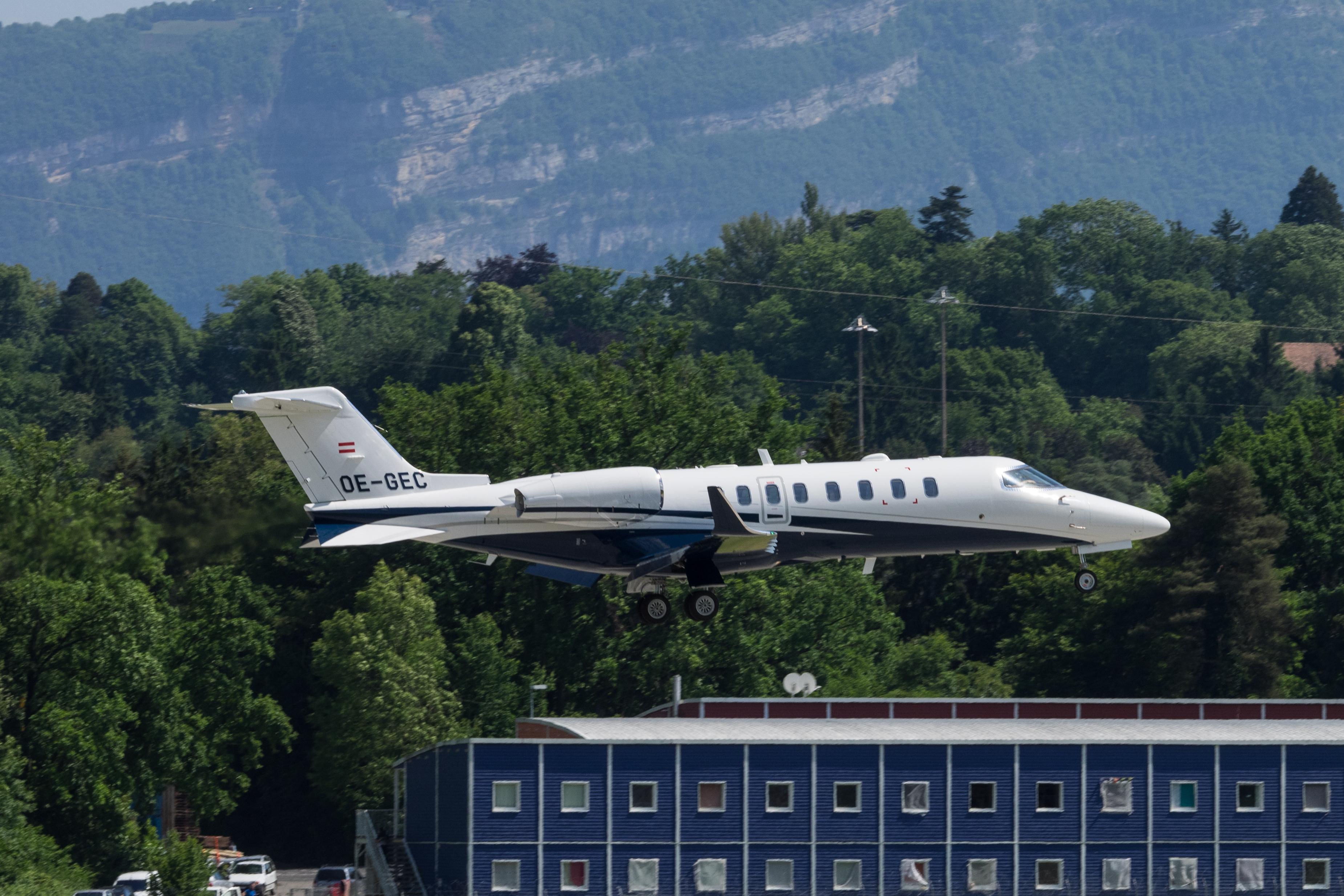 file oe gec bombardier learjet 75 lj75 spg speedwings executive jet 19073651852 jpg wikipedia. Black Bedroom Furniture Sets. Home Design Ideas