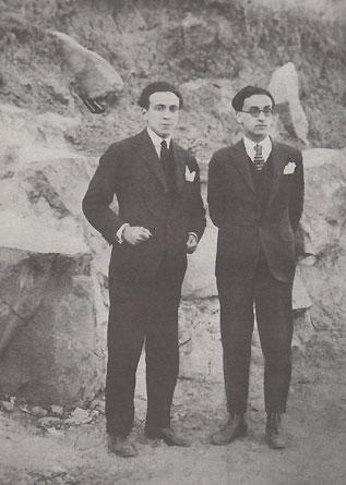 Omar Cáceres (izquierda) junto a su primo Alejandro, en el cerro San Cristóbal, Santiago de Chile, 1925
