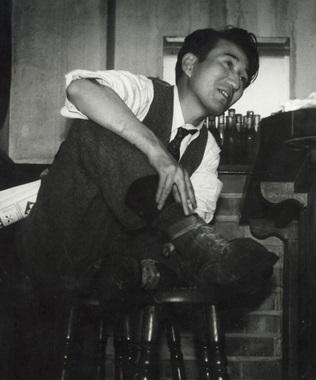Osamu Dazai1946.jpg