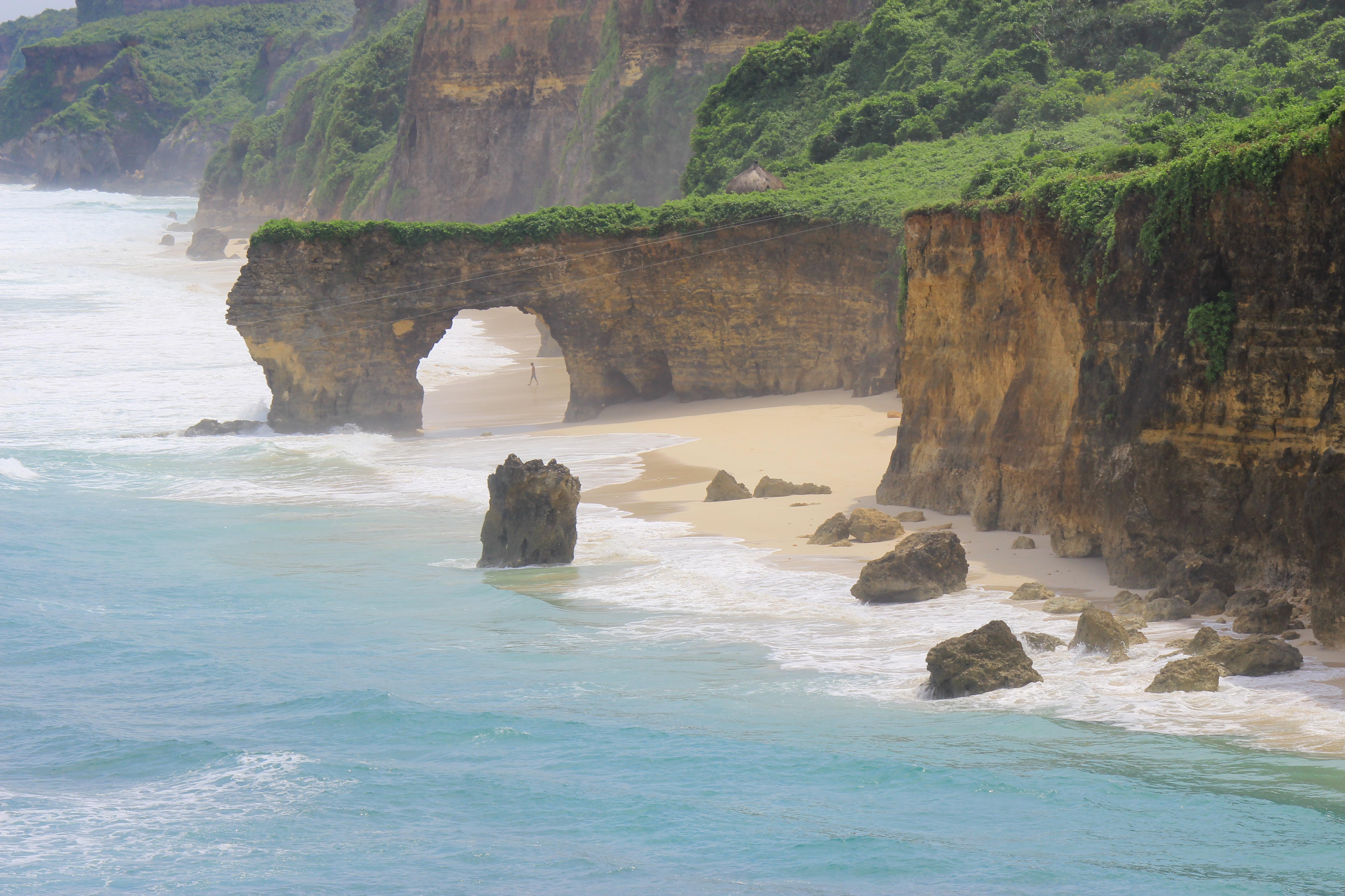 File:Pantai Mbawana, Sumba Barat Daya.jpg - Wikimedia Commons