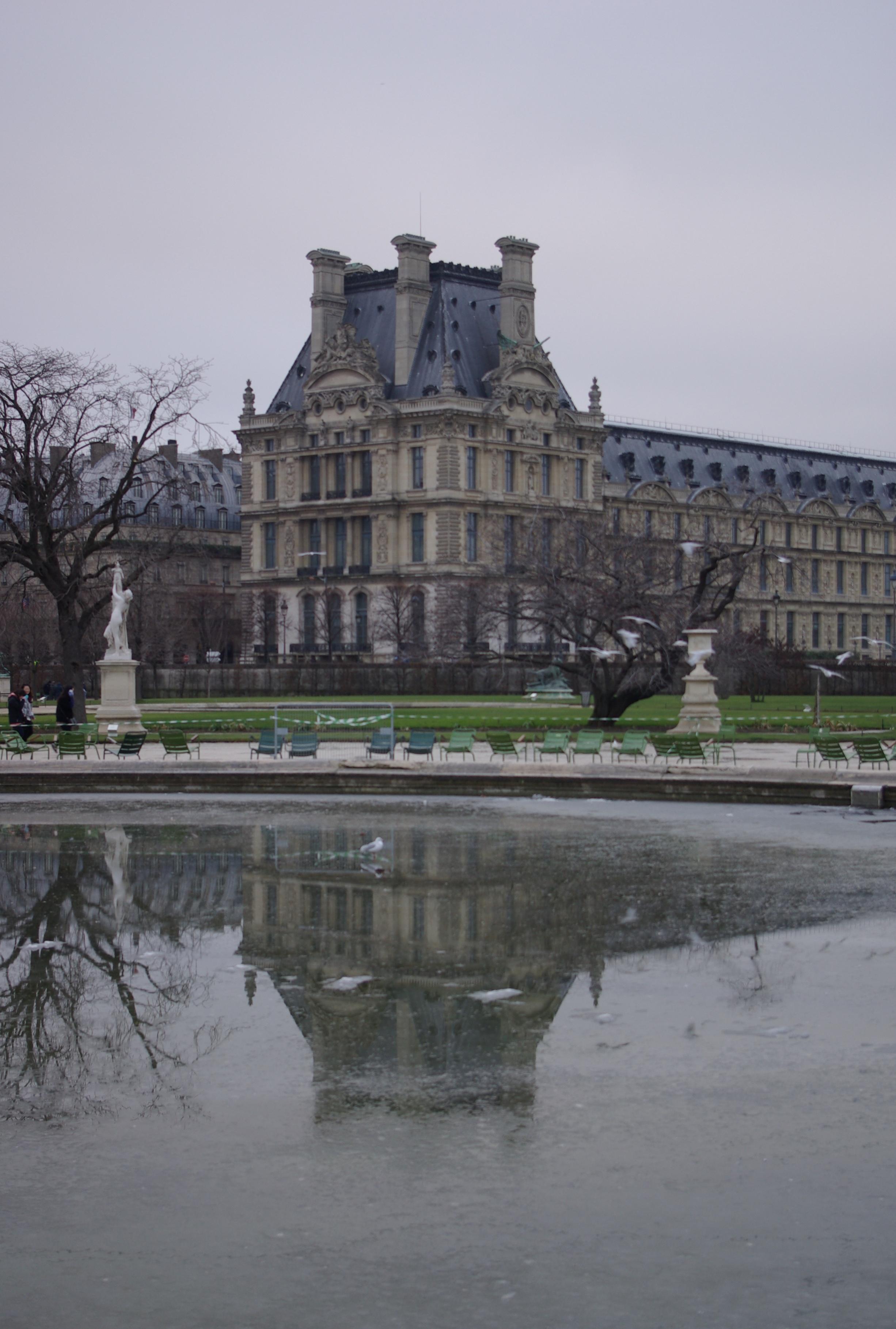 File:Paris 75001 Jardin des Tuileries - Grand bassin rond and ...