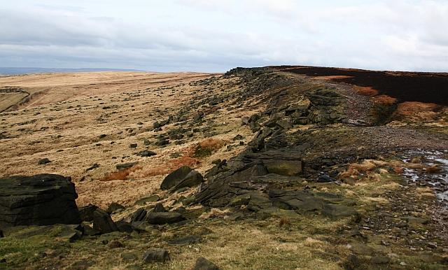 Pennine Way on Castleshaw Moor (2) - geograph.org.uk - 726668