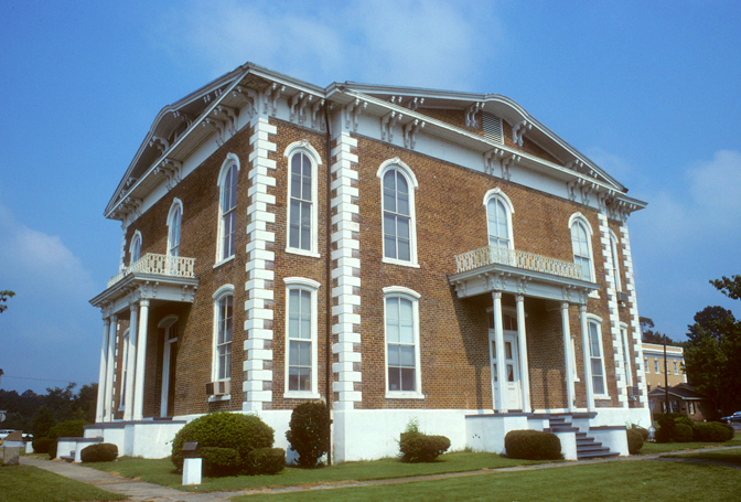 Pickens County Courthouse in Carrollton, Alabama